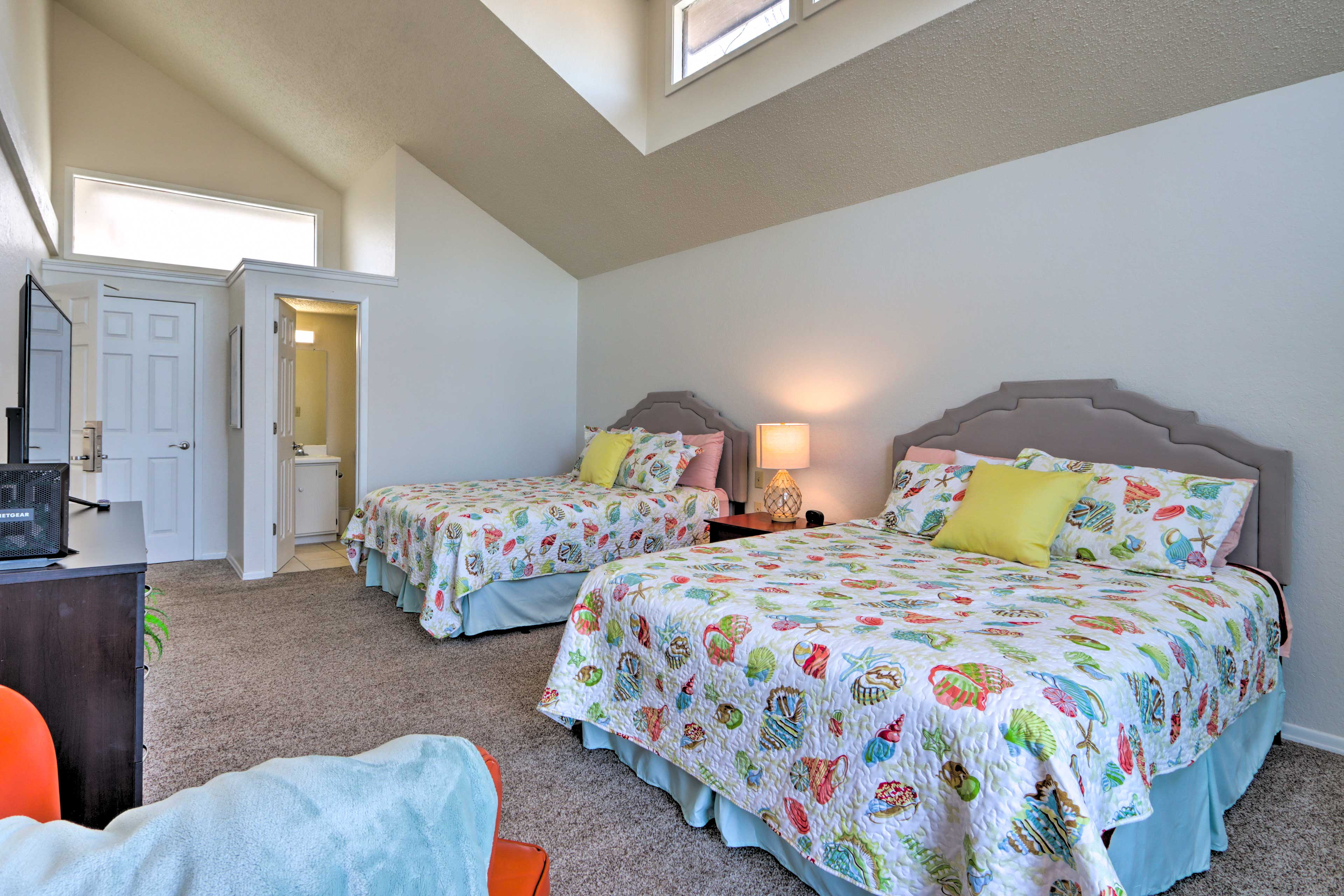 Bedroom 1   2 Queen Beds