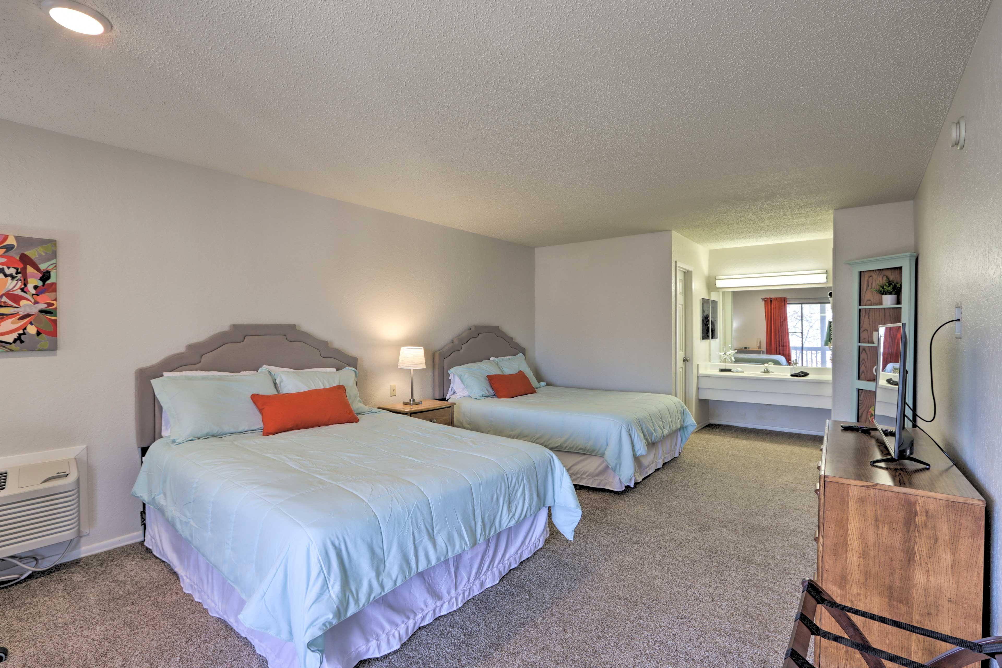 Bedroom 2   2 Queen Beds