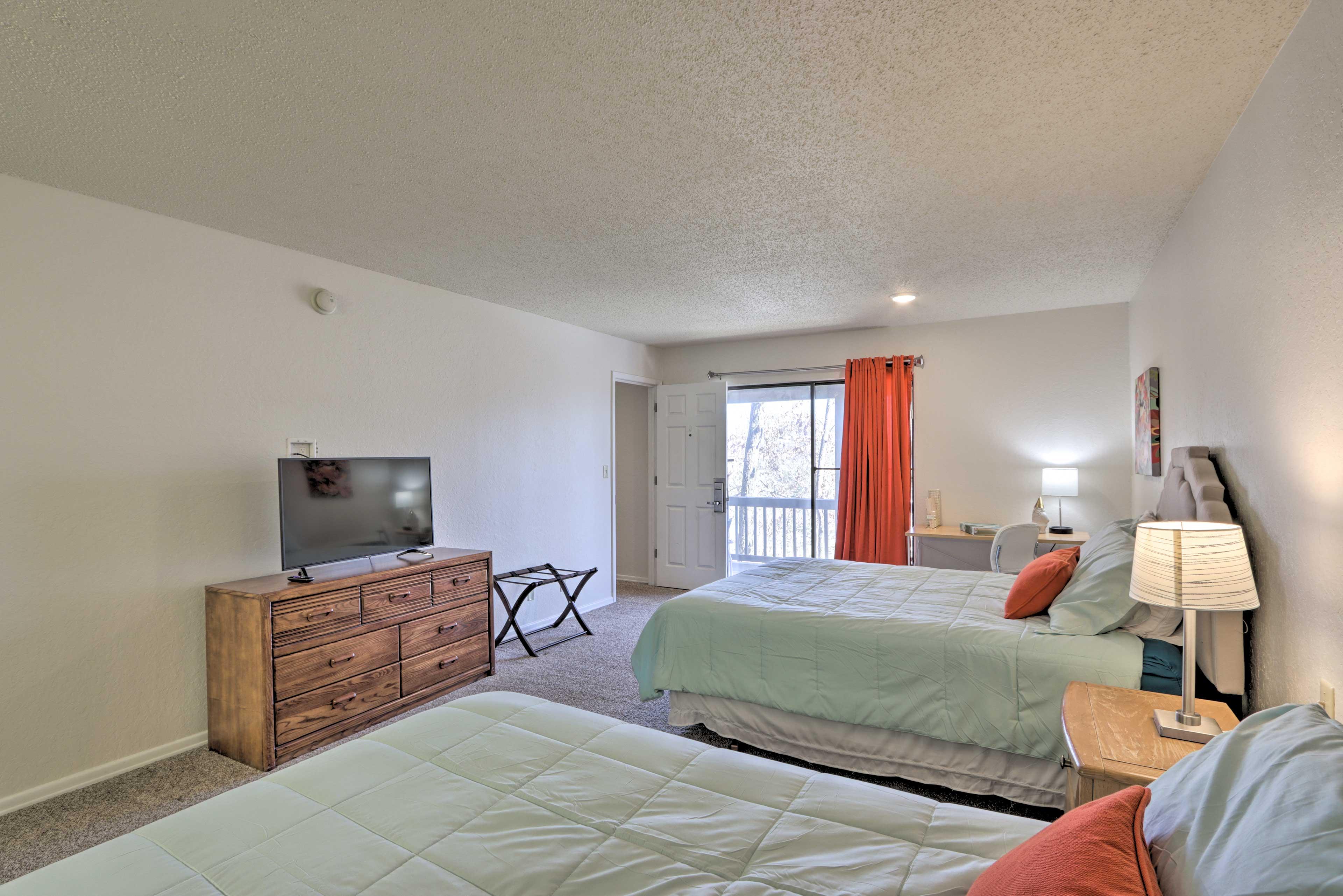 Bedroom 2   Work Space w/ Chair