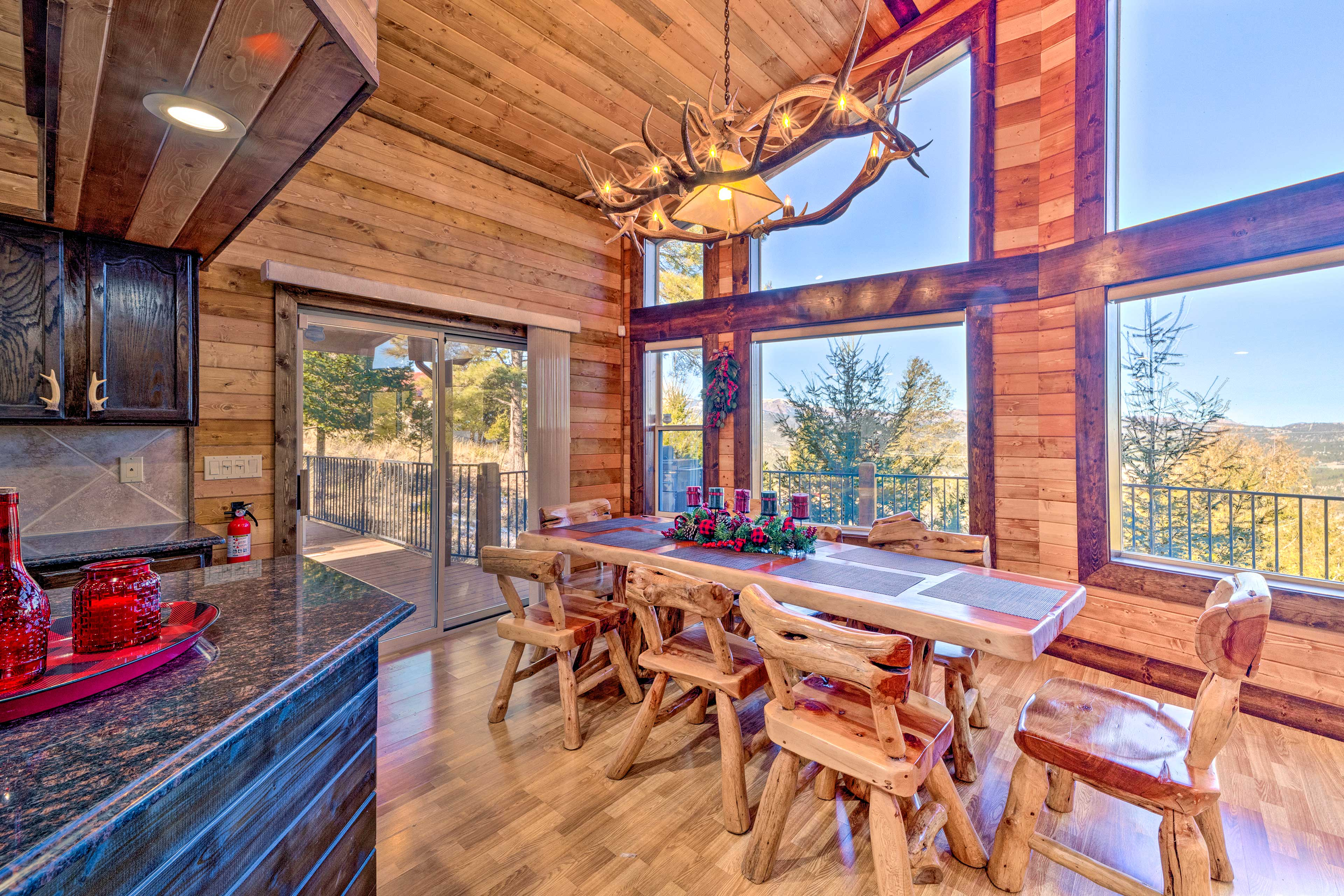 Delight in home-cooked meals while getting lose in the surrounding views.