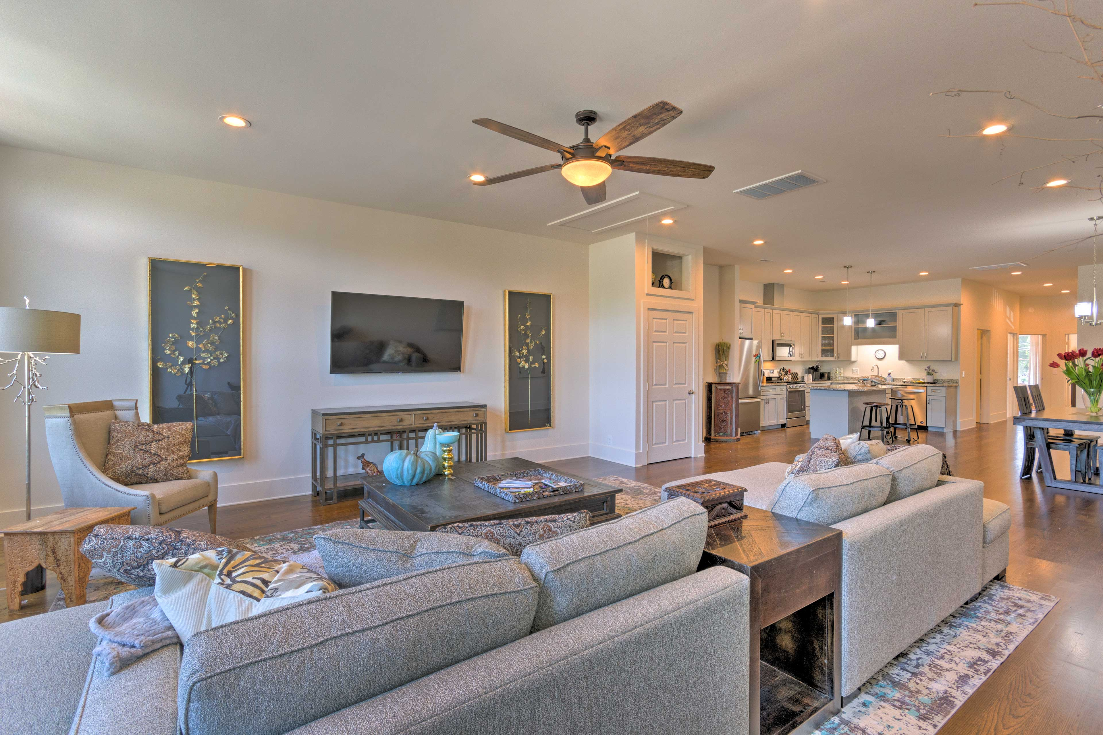 Modern luxuries await in this well-appointed Waynesville apartment!