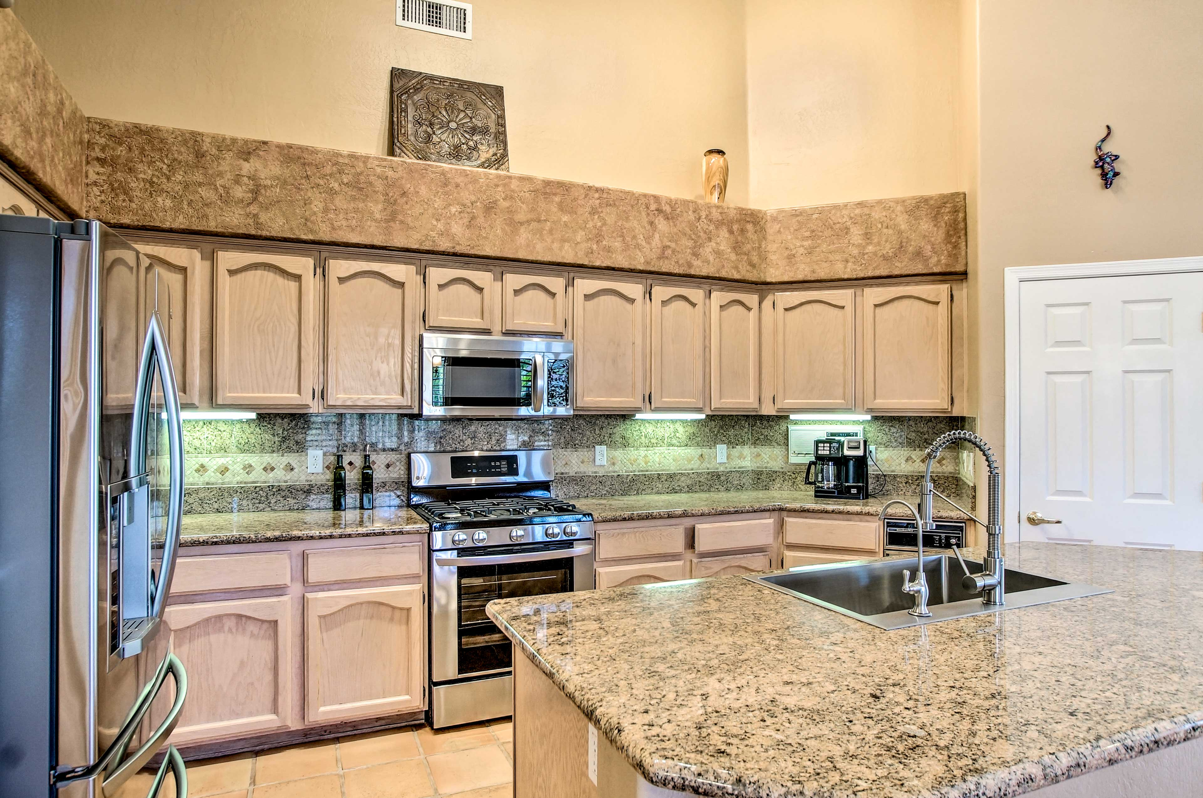 From stainless steel appliances to Keurig coffee maker, the kitchen is complete!