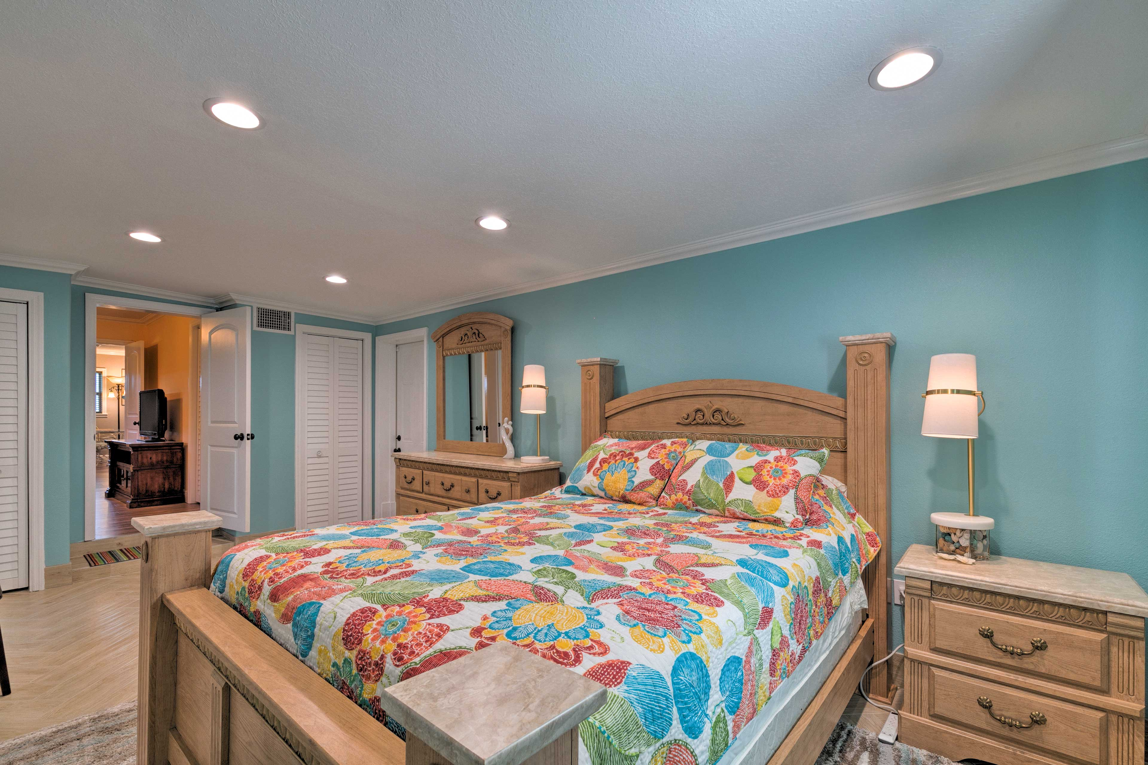 You're sure to rest easy on the queen bed in the master.