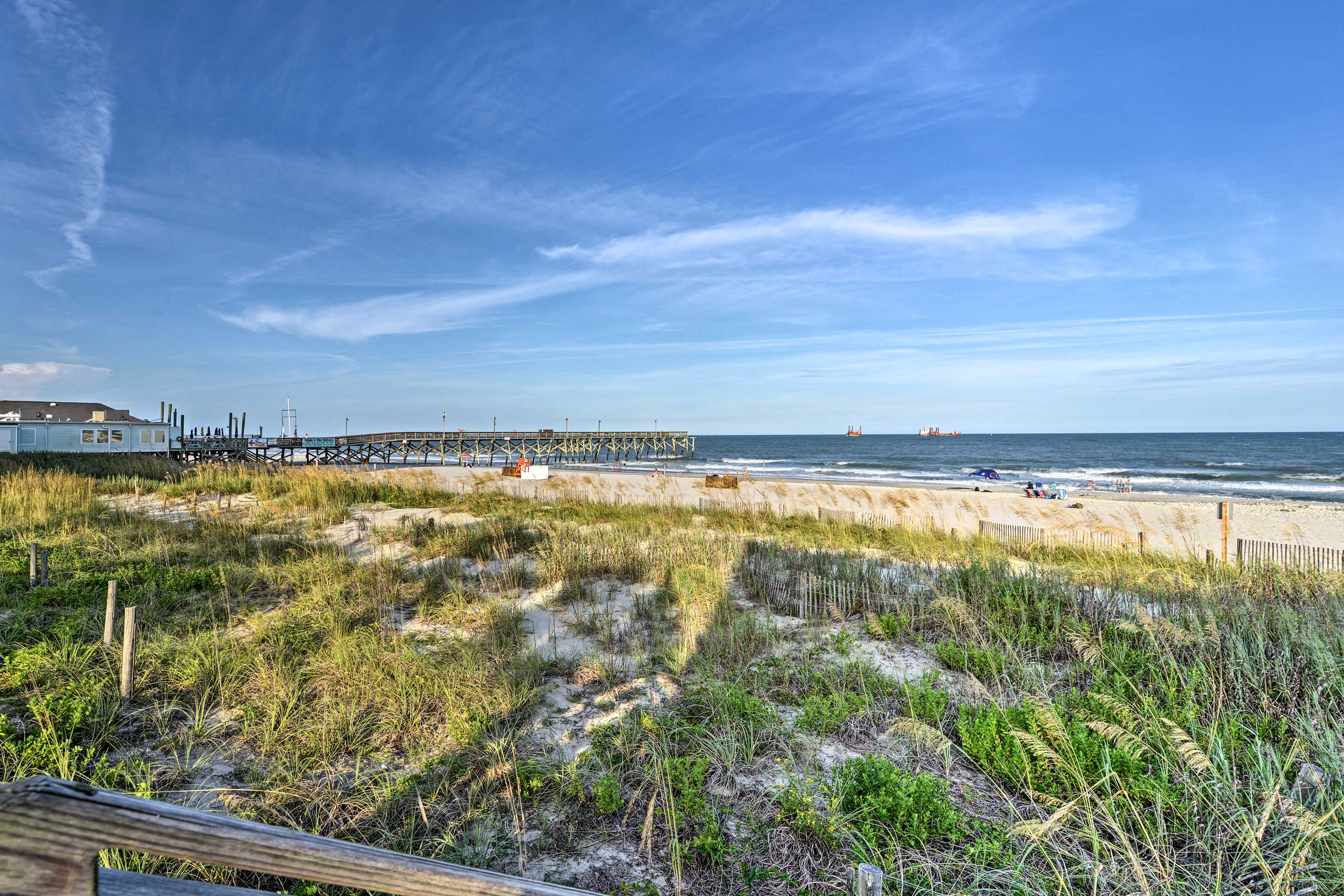 The Surfside Pier, restaurants, and oceanfront bars are just a quick trip away.