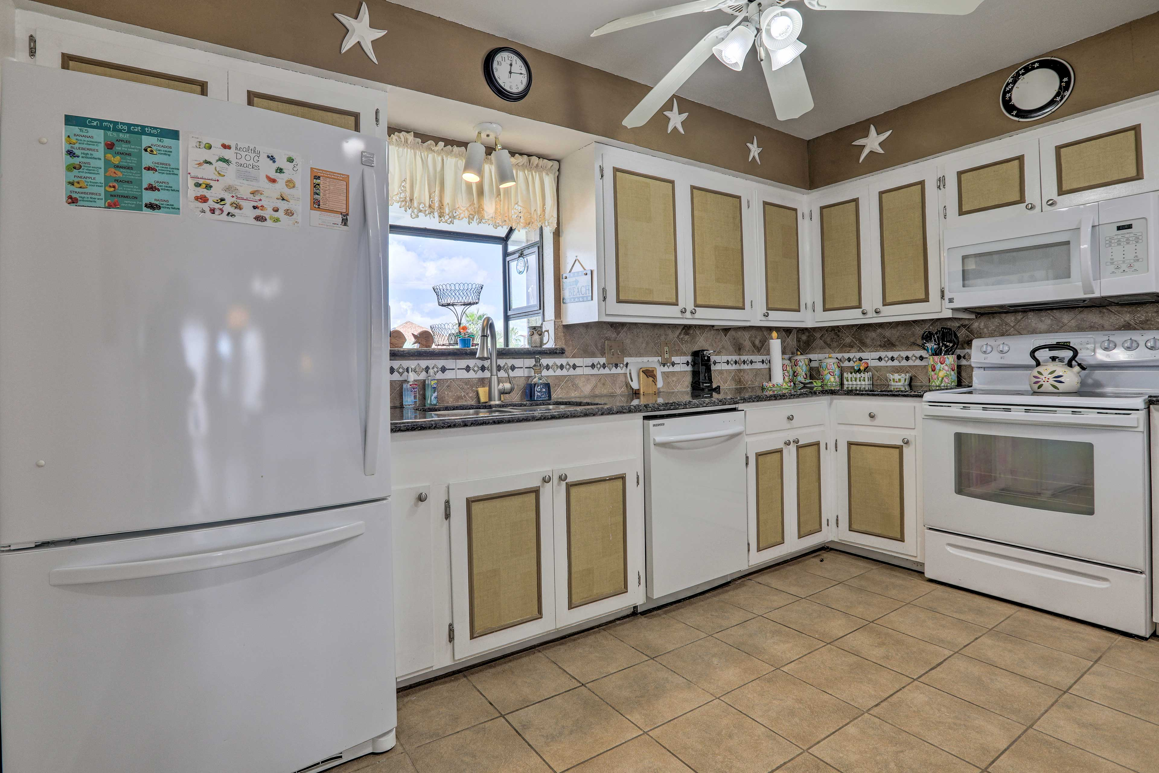 Make this kitchen your own and show off your culinary skills!
