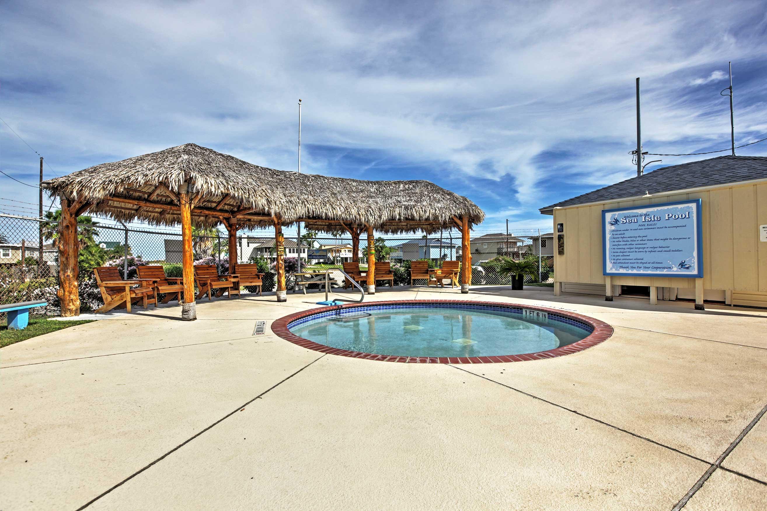 Sea Isle Amenities   Additional On-Site Fee May Apply