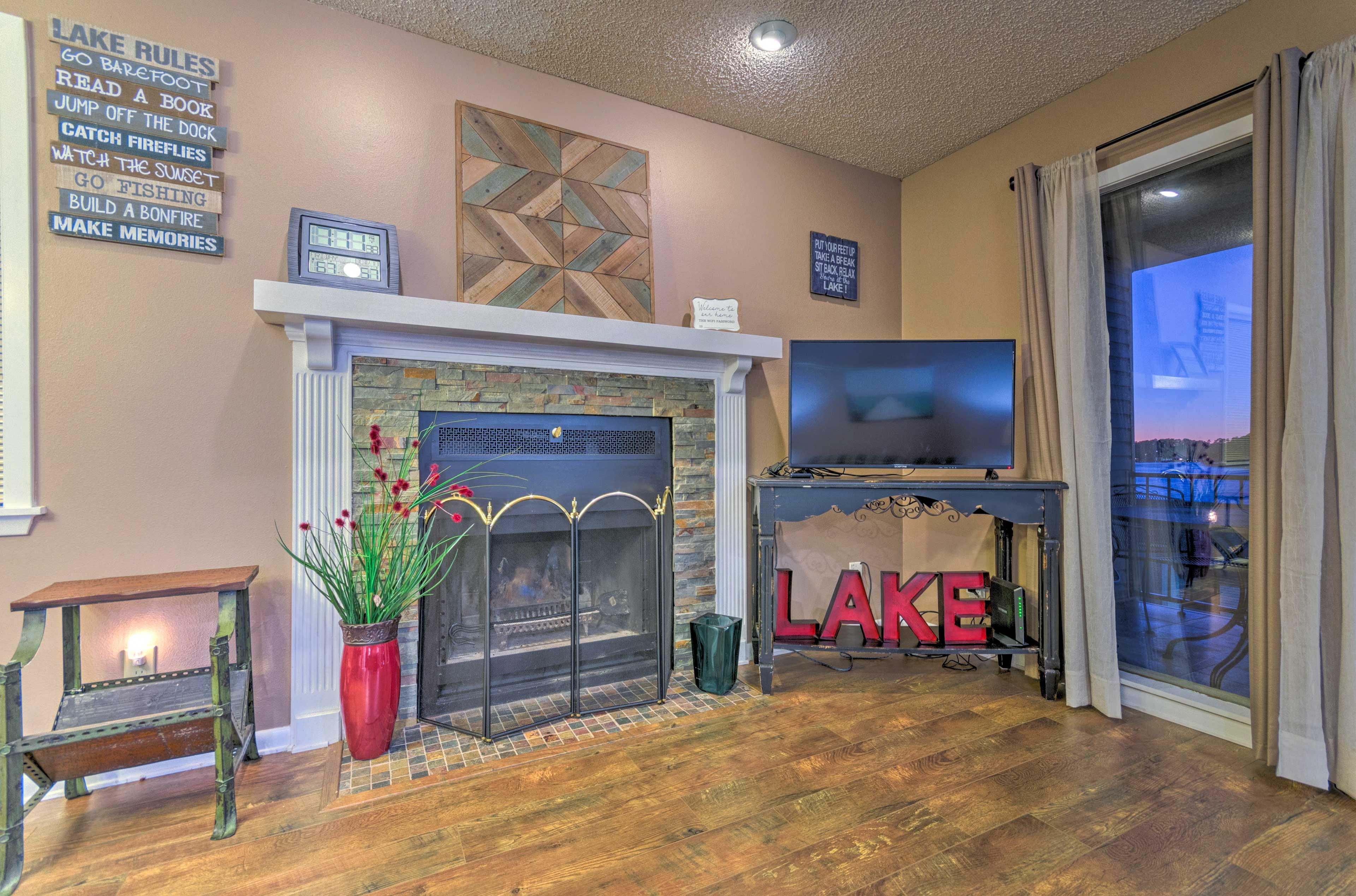 The spacious living area boasts a flat-screen Smart TV.