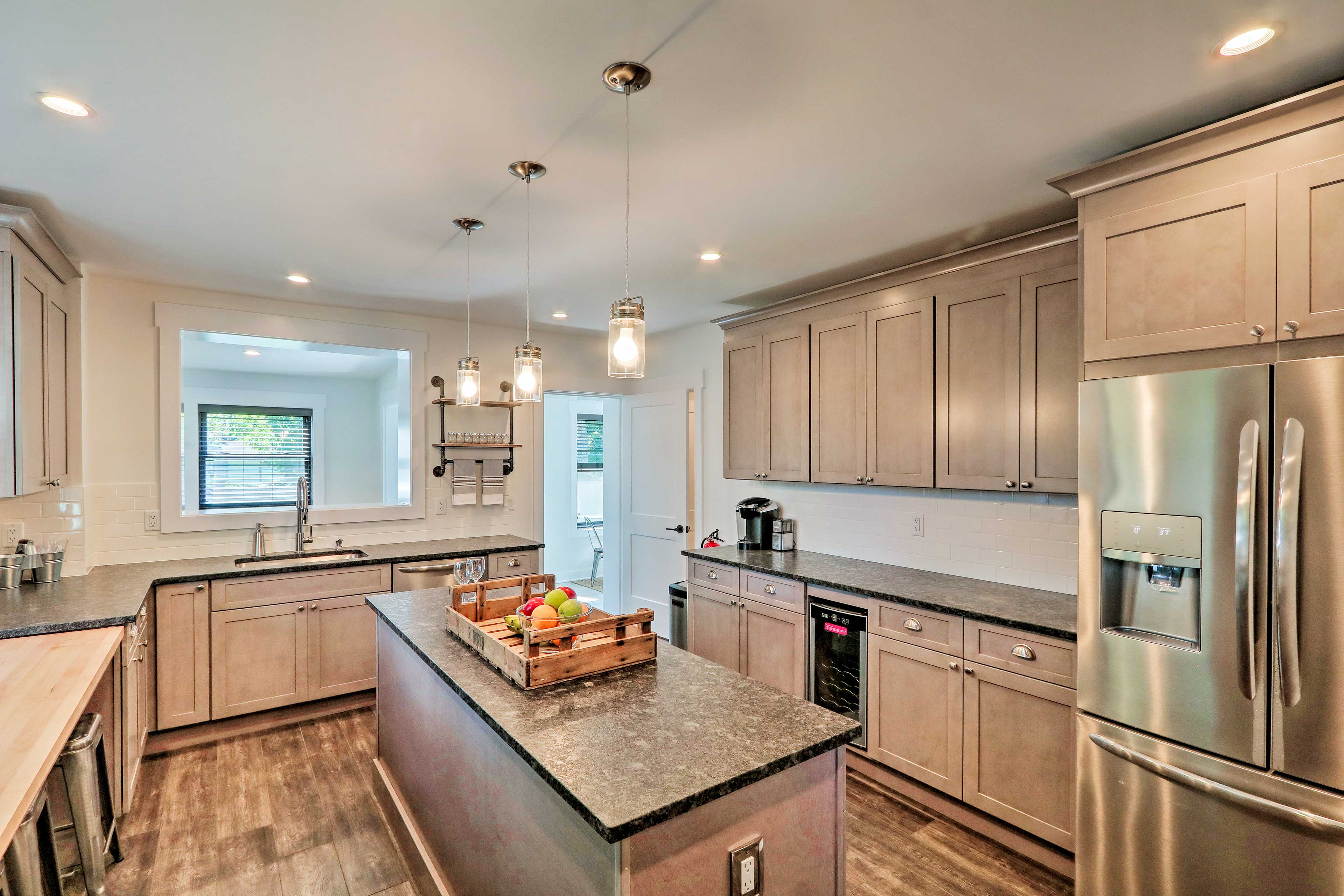 The full kitchen is a chef's dream!