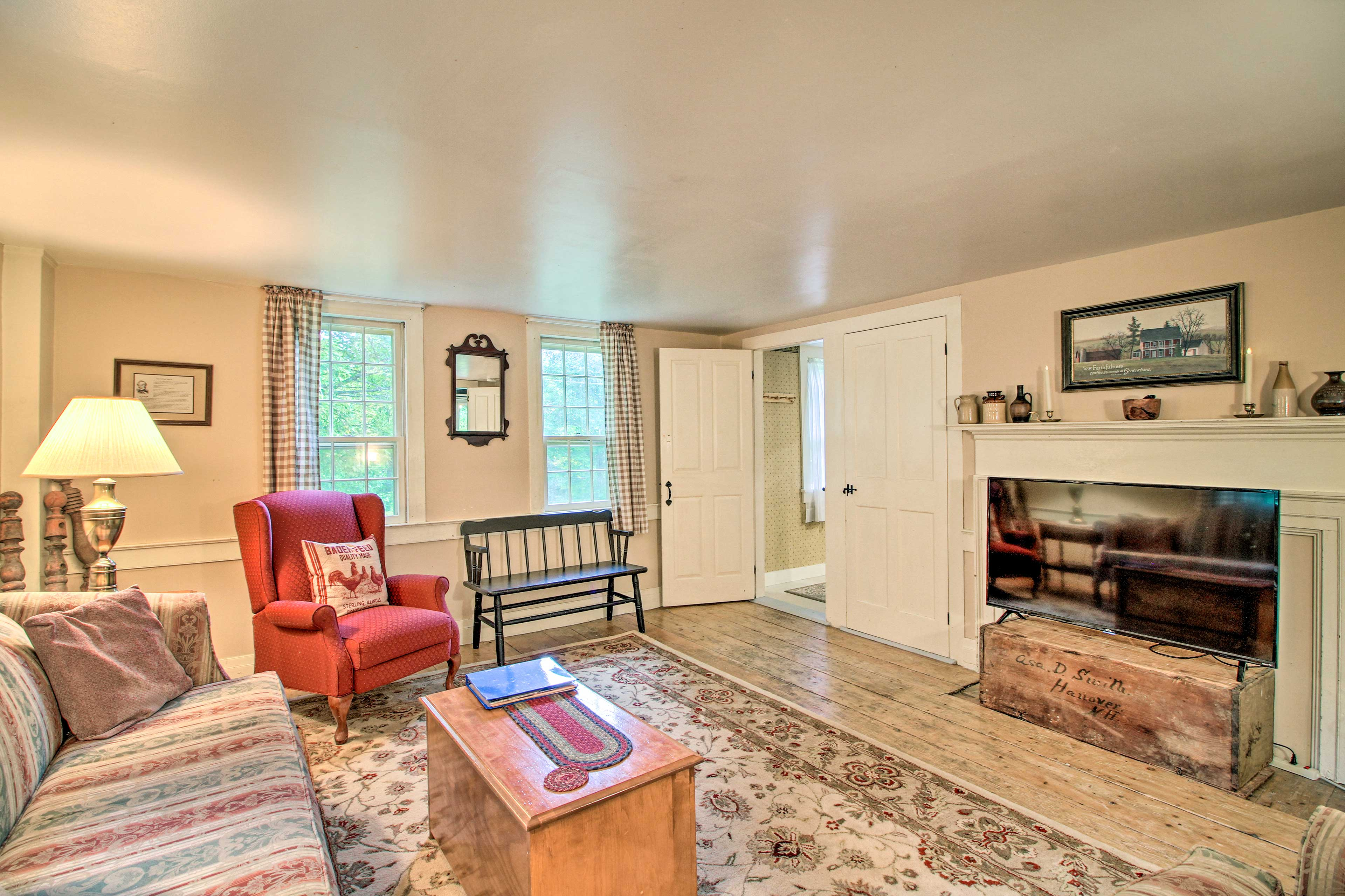 Spread out throughout 1,700 square feet of living space.