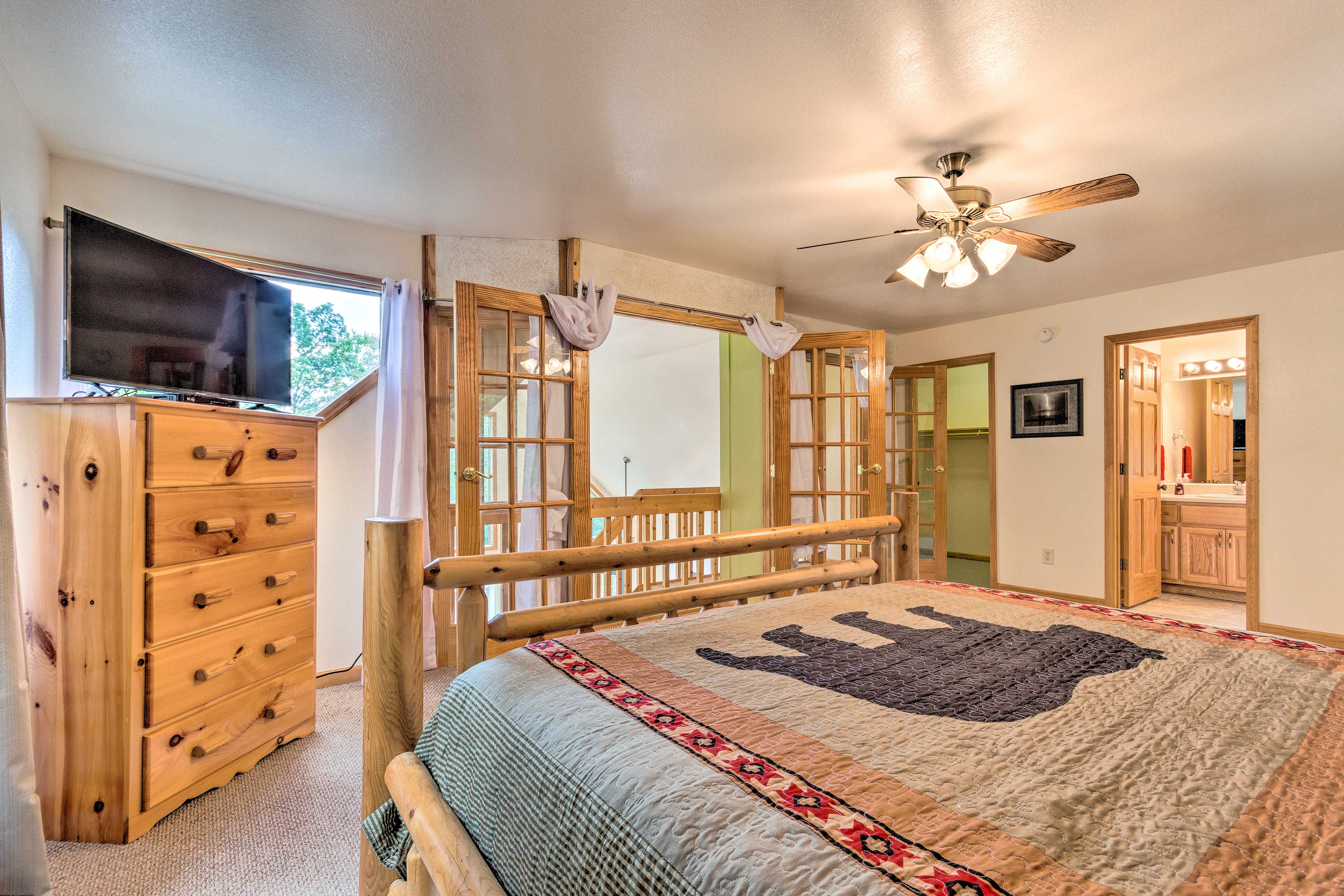 This room offers plenty of dresser space for all your vacation belongings.