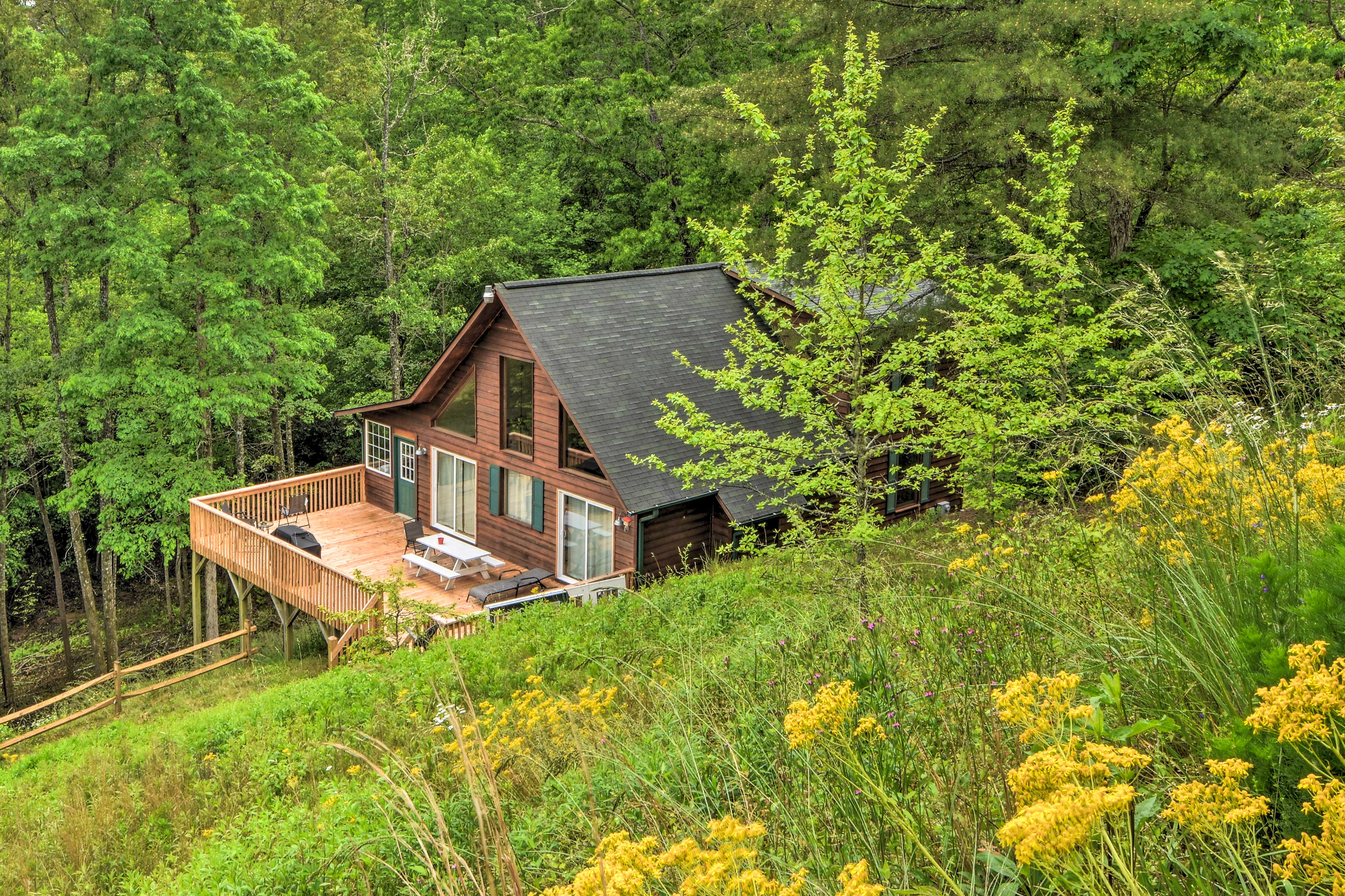 Experience a serene mountain environment at this Murphy vacation rental cabin!