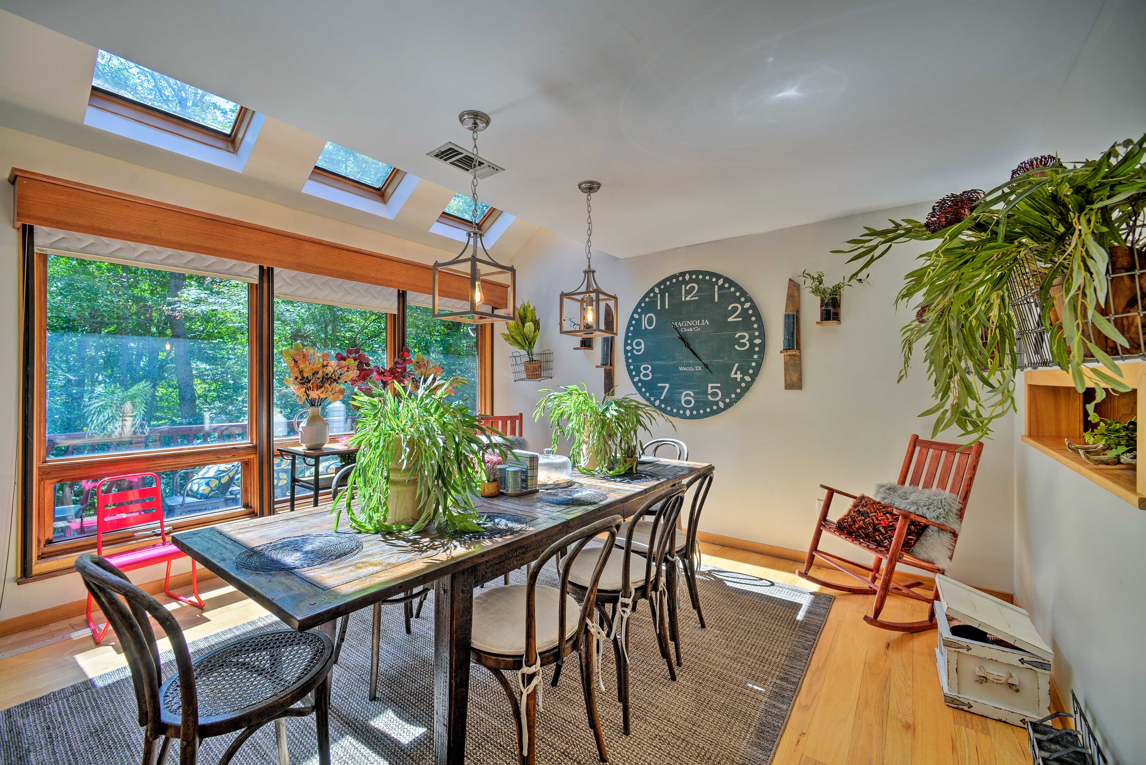 Dining Table | Natural Light | Free WiFi