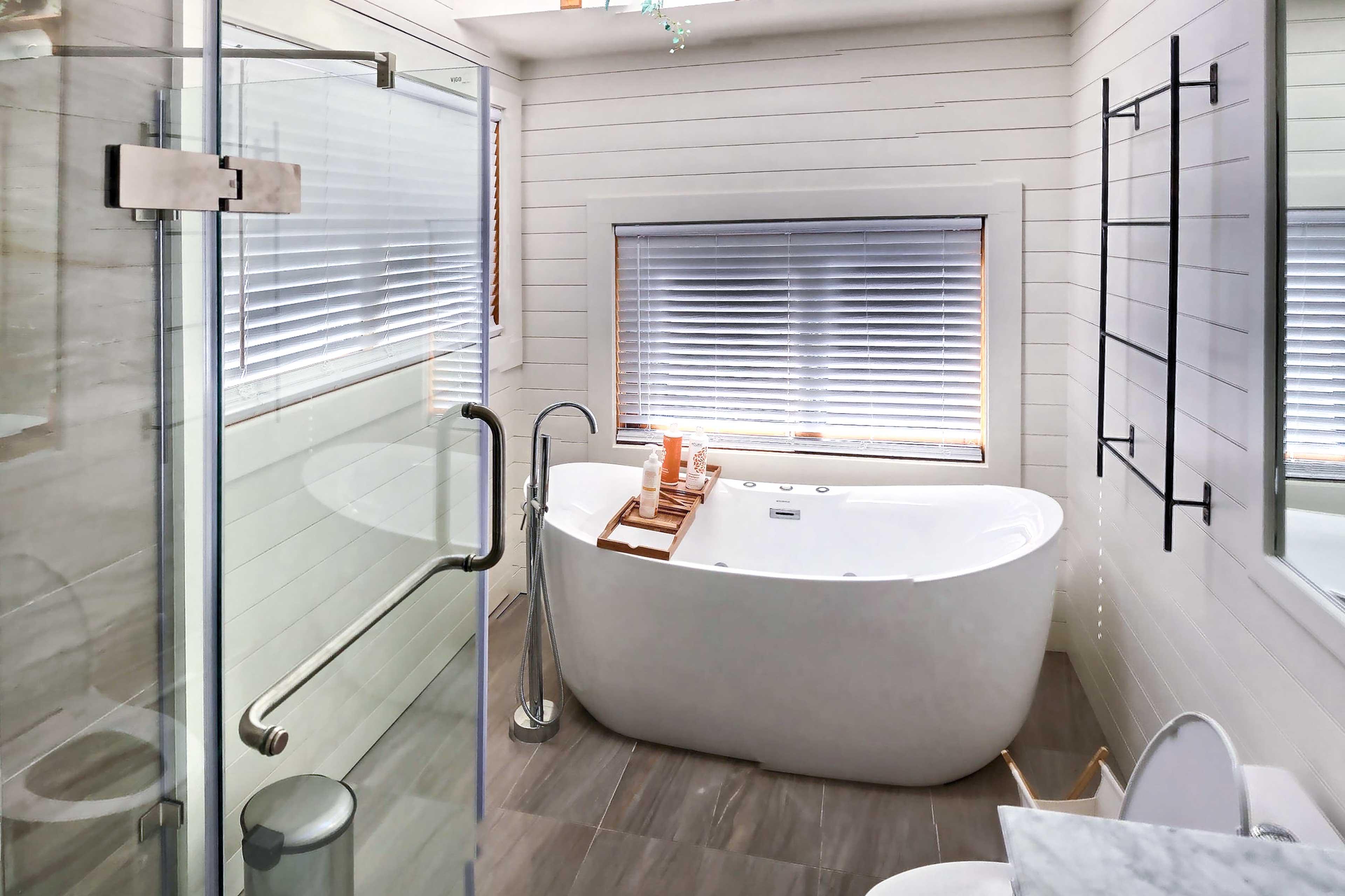 Full Bathroom | En-Suite | Towels Provided