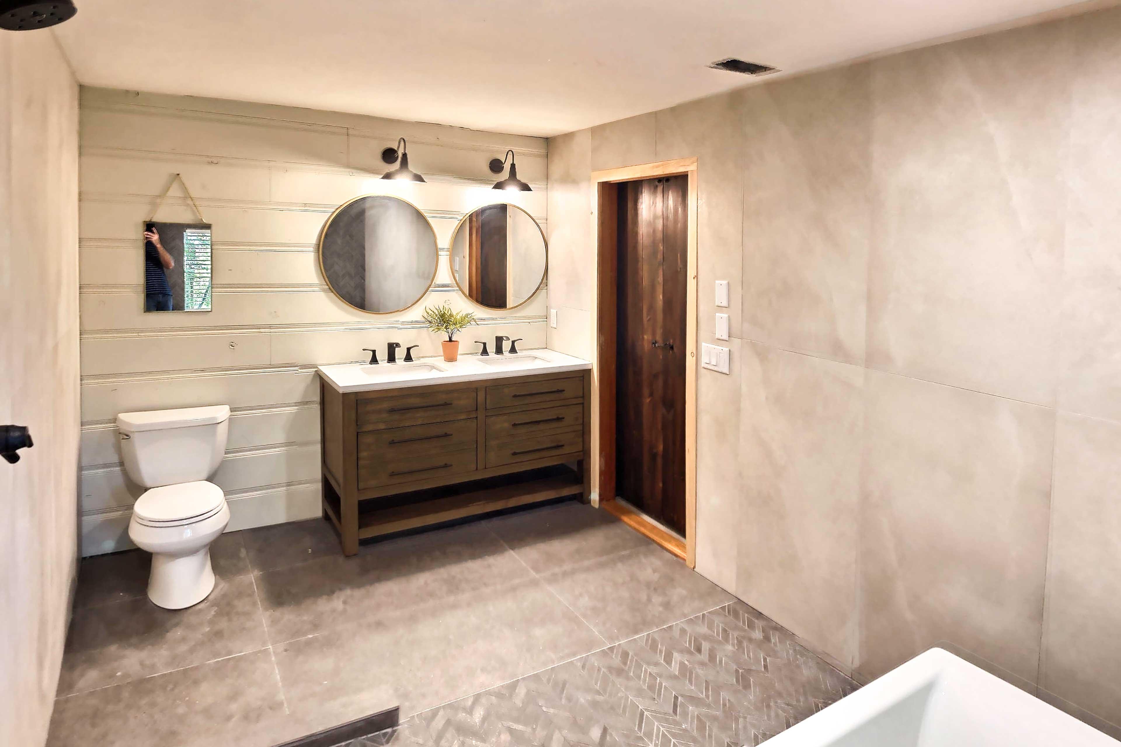 Full Bathroom | Recently Updated