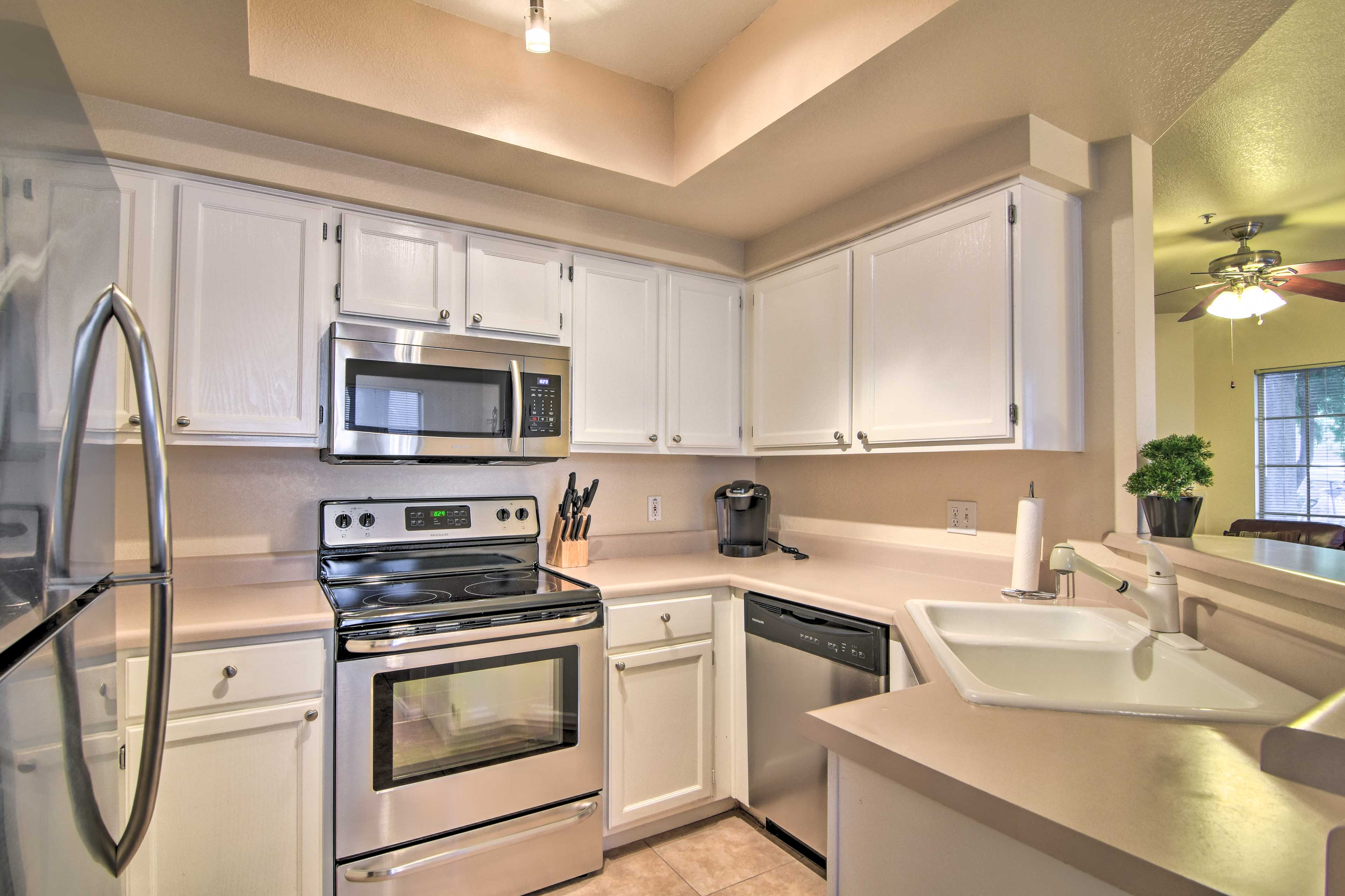 The fully equipped kitchen makes it easy to prepare meals.