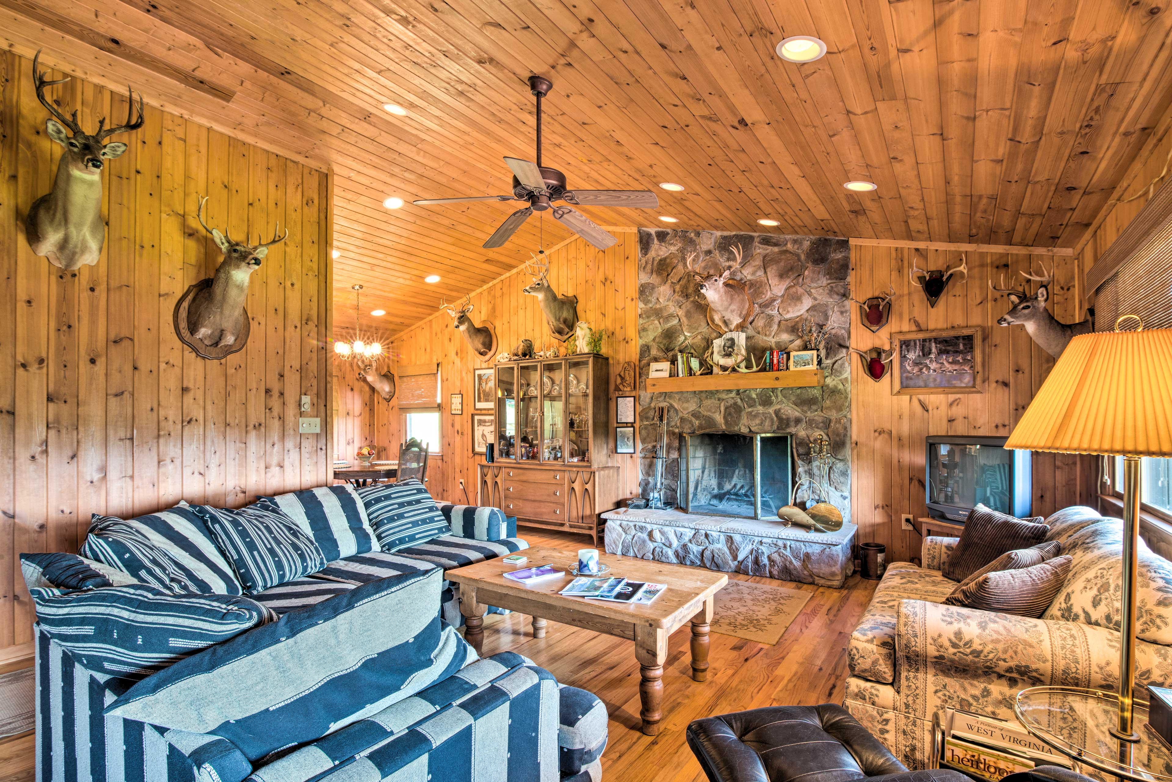Book a trip to this cozy 3-bedroom, 2-bathroom vacation rental cabin.