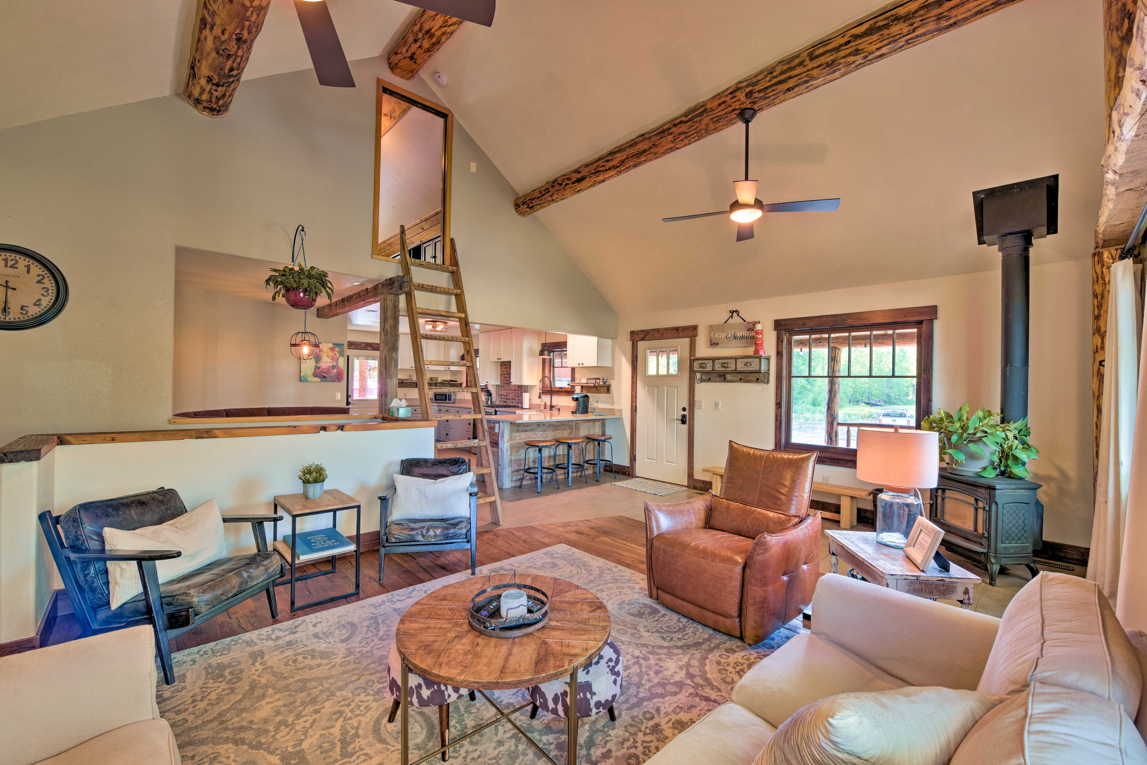 Living Room | Loft | Gas-Powered Stove | Rustic Furnishings | Steps Required