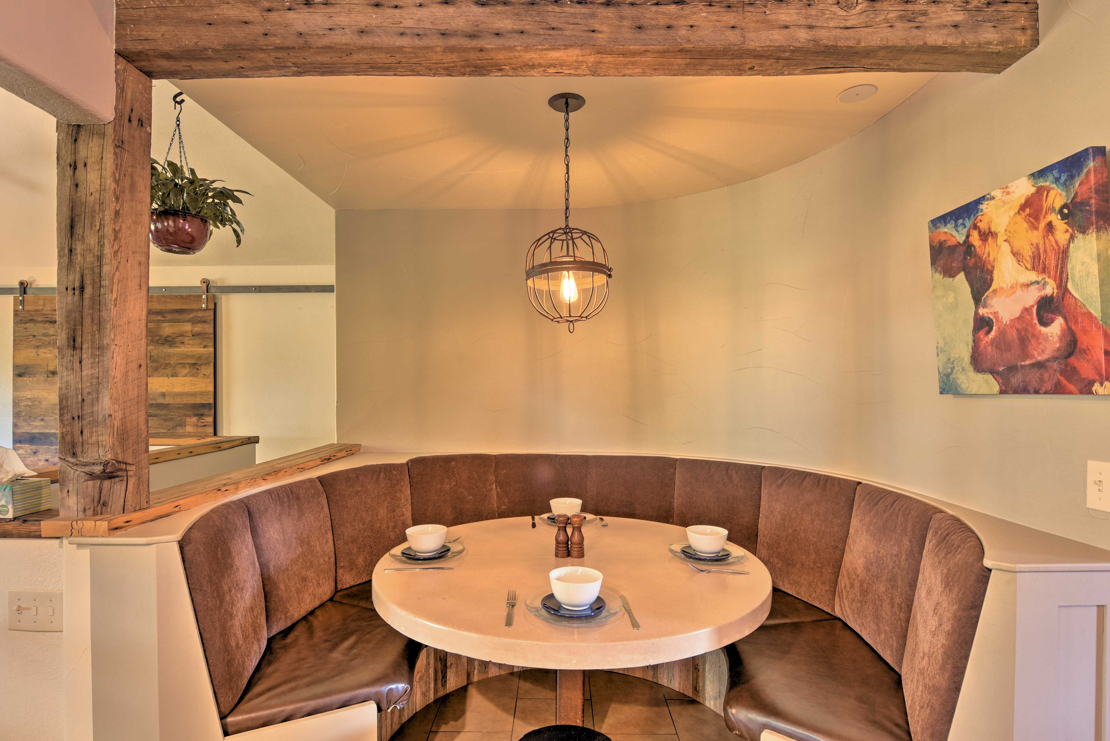 Dining Table | Custom Finishes | Unique Mountain Design