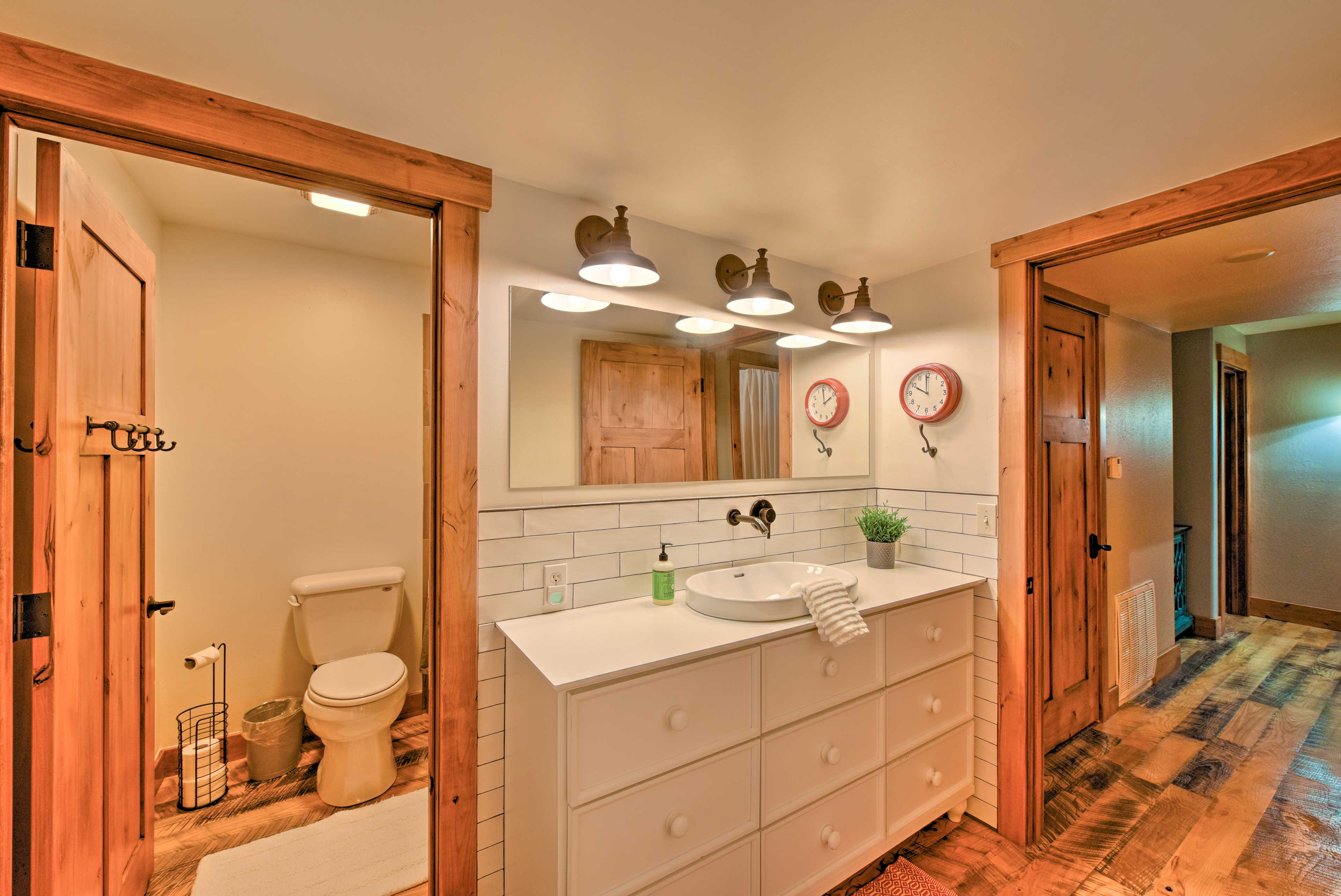 Second Full Bathroom | Jack-and-Jill Bathroom | Modern Finishes
