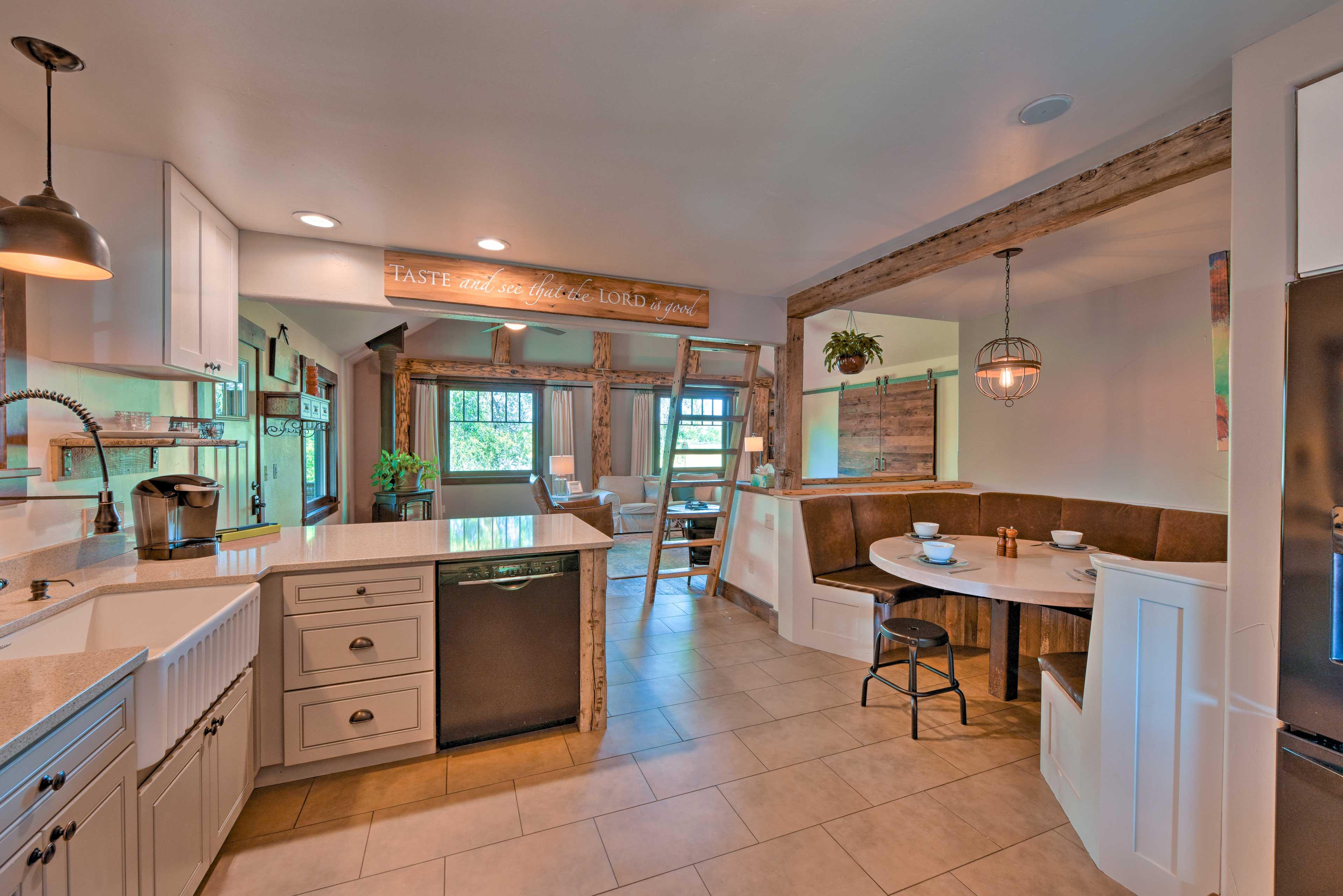 Full Kitchen | Farmhouse Sink | Keurig Coffee Maker | Dishwasher
