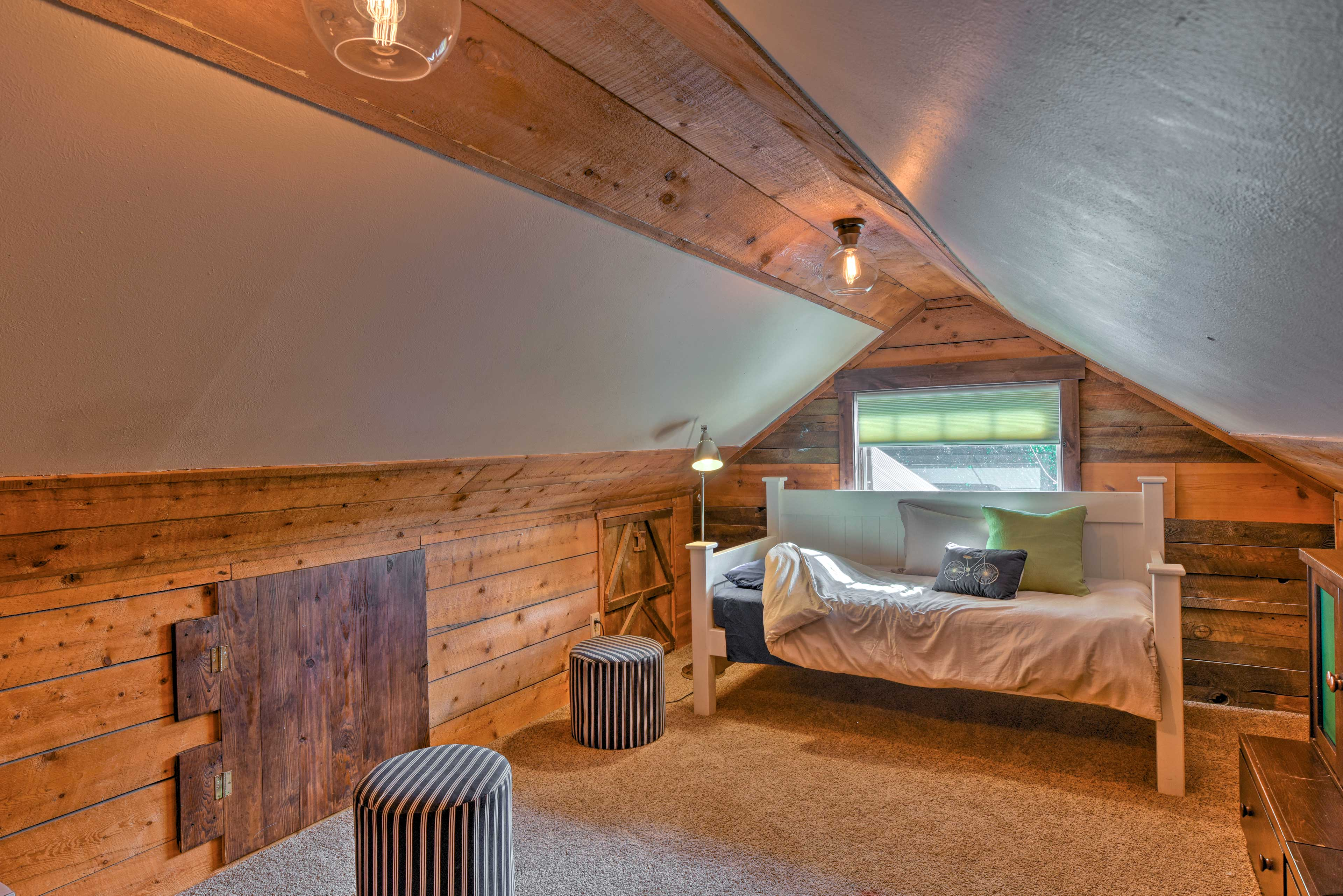 Loft | Steps Required | Second Story | Twin Daybed