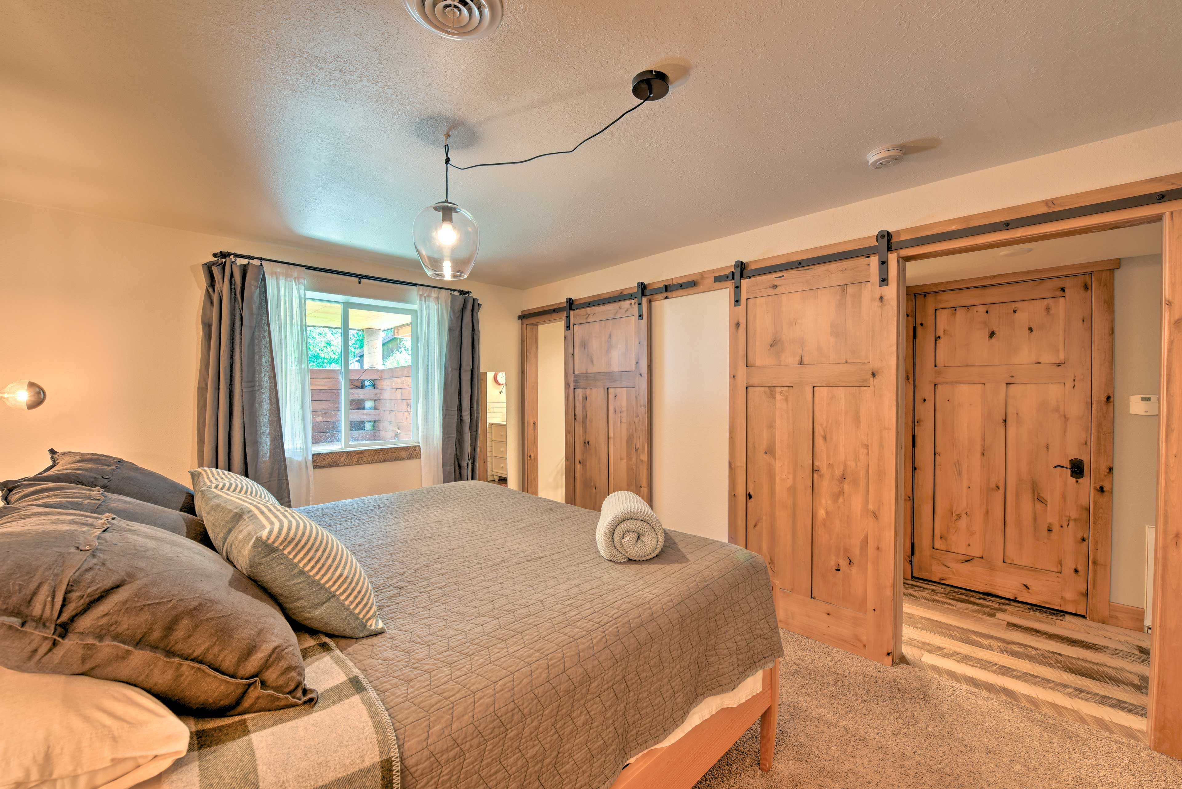 Second Master Bedroom | Linens & Towels Provided