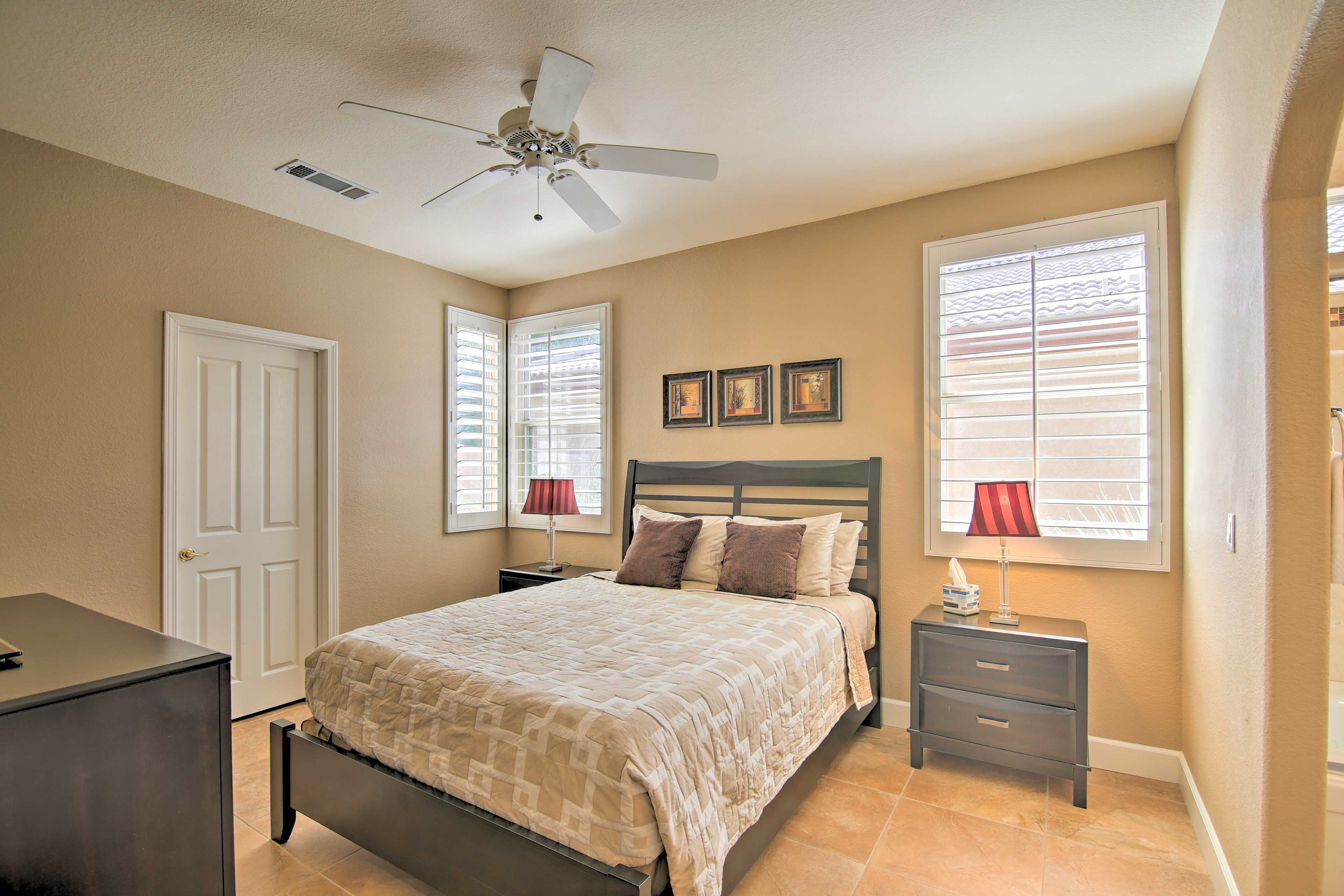 Bedroom 2   Queen Bed   En-Suite Bathroom