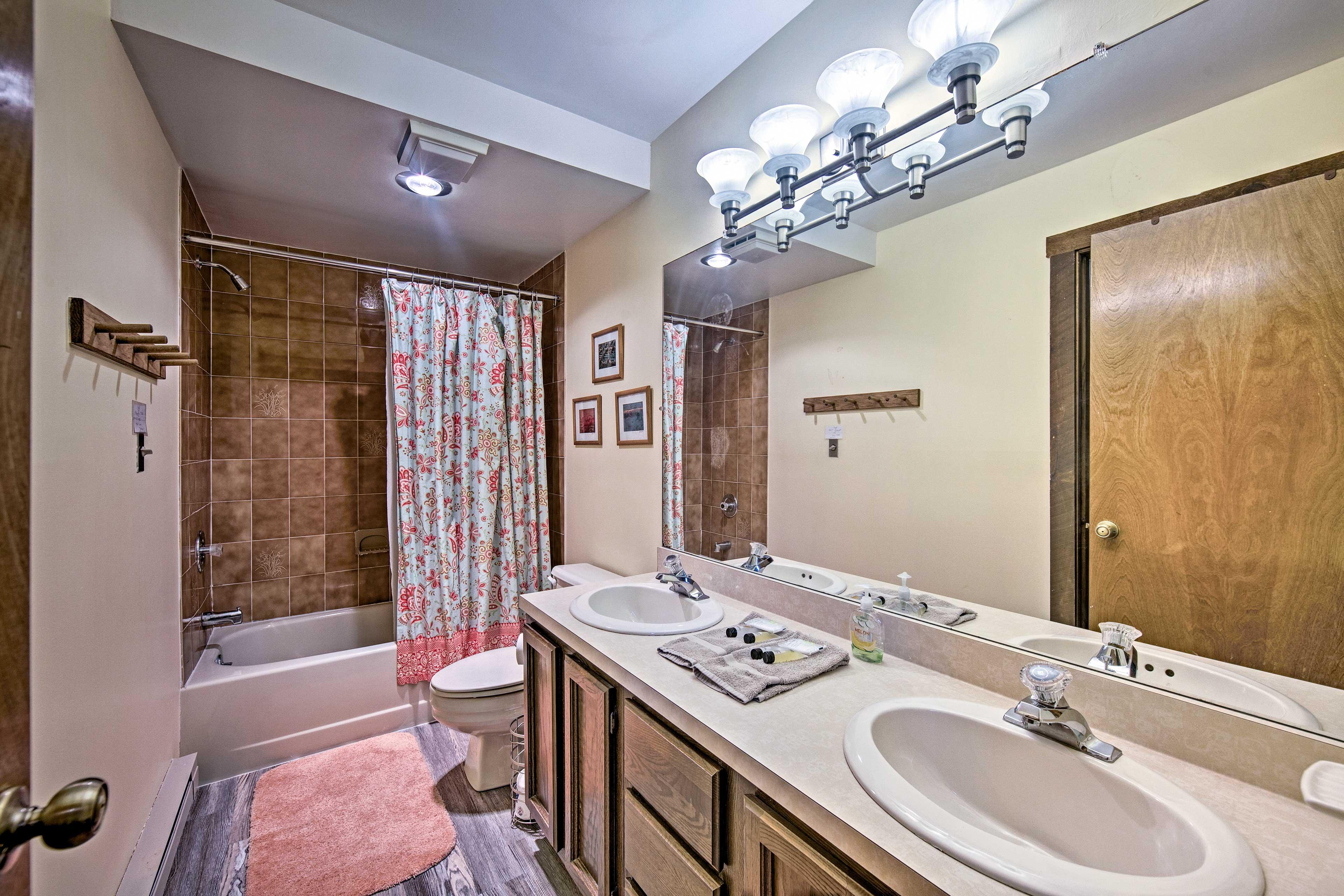 Full Bathroom   1st Floor