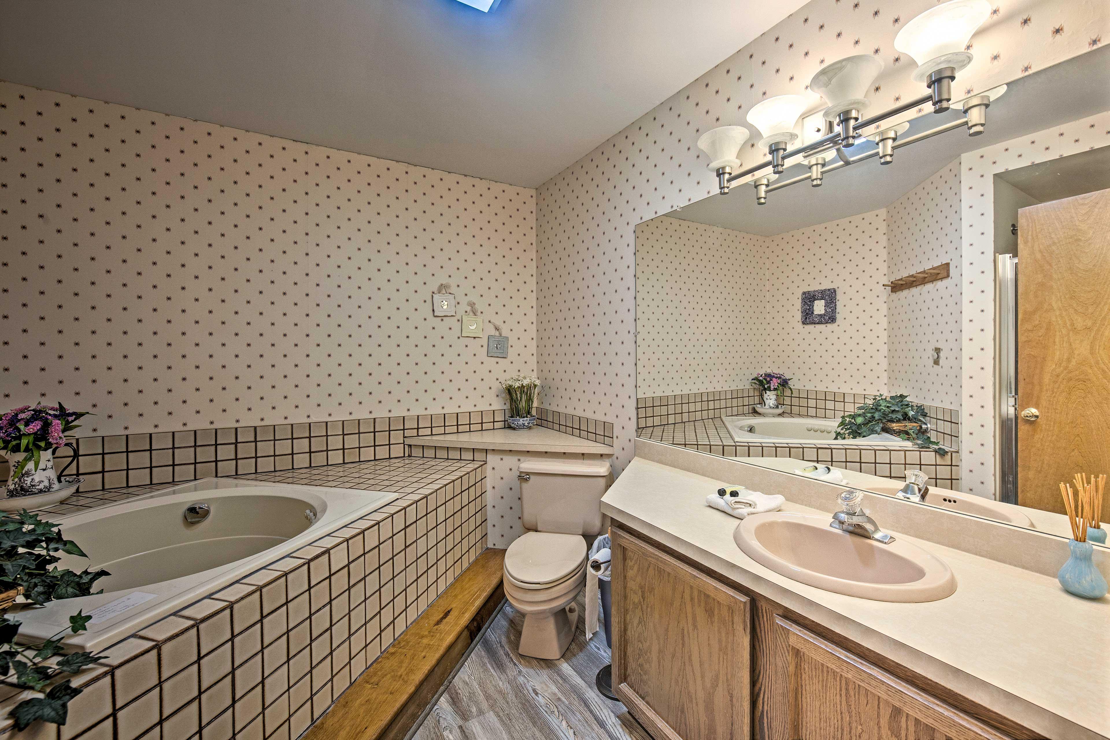 Full Bathroom   2nd Floor