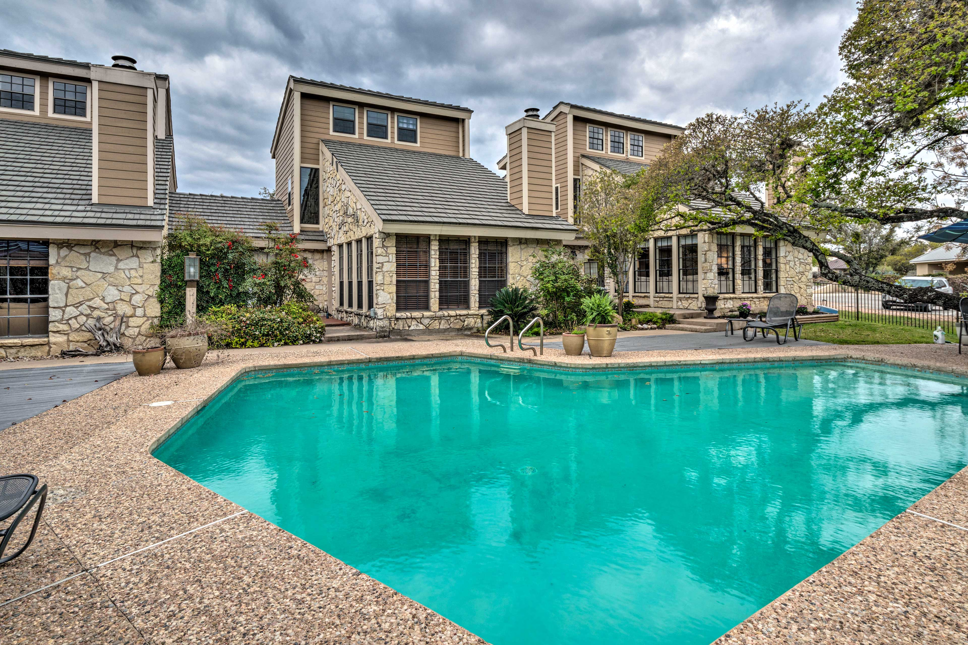 Shared with only a few neighbors, enjoy a nice quiet pool.