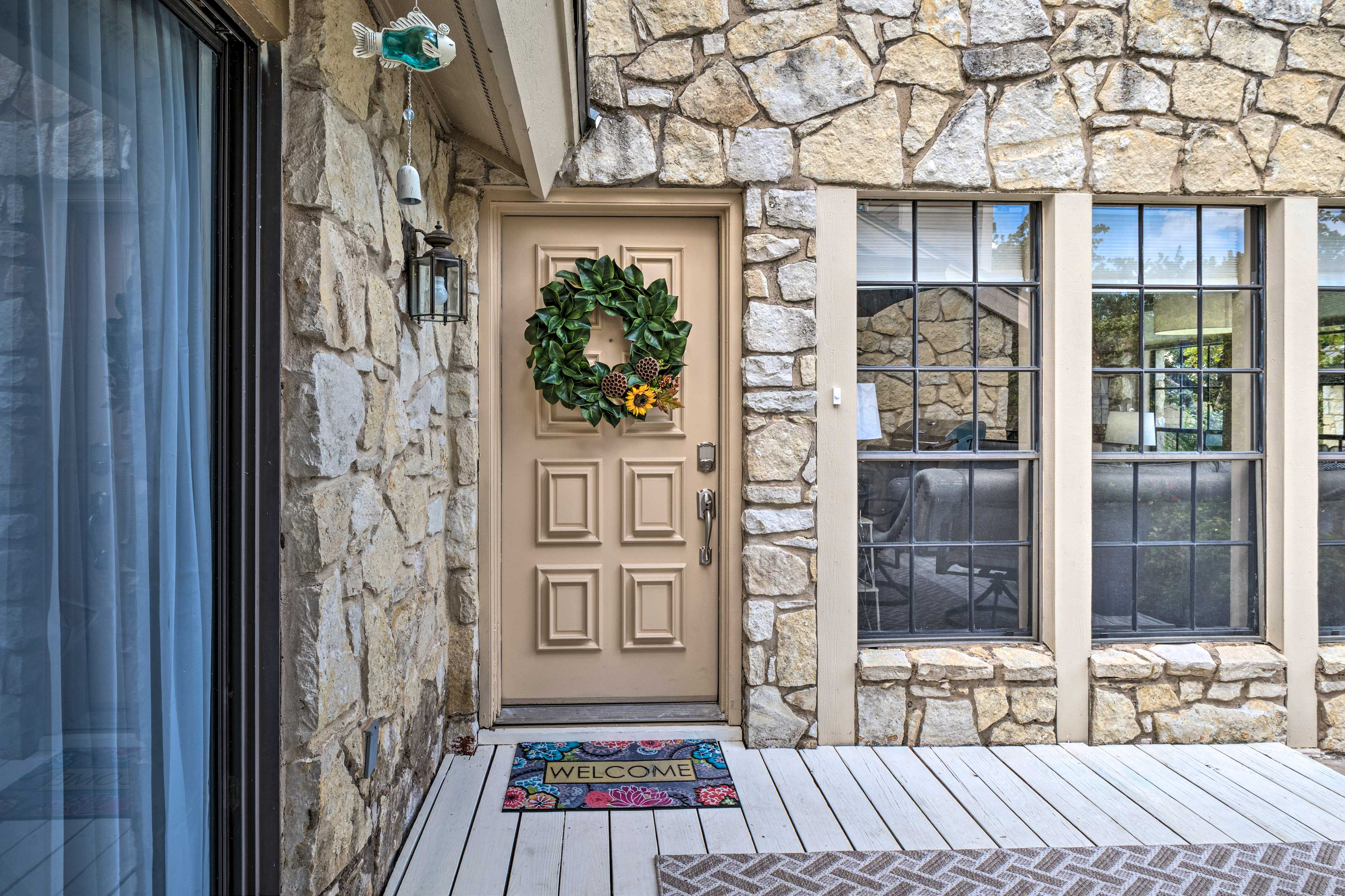 This home is accessible via keyless entry.