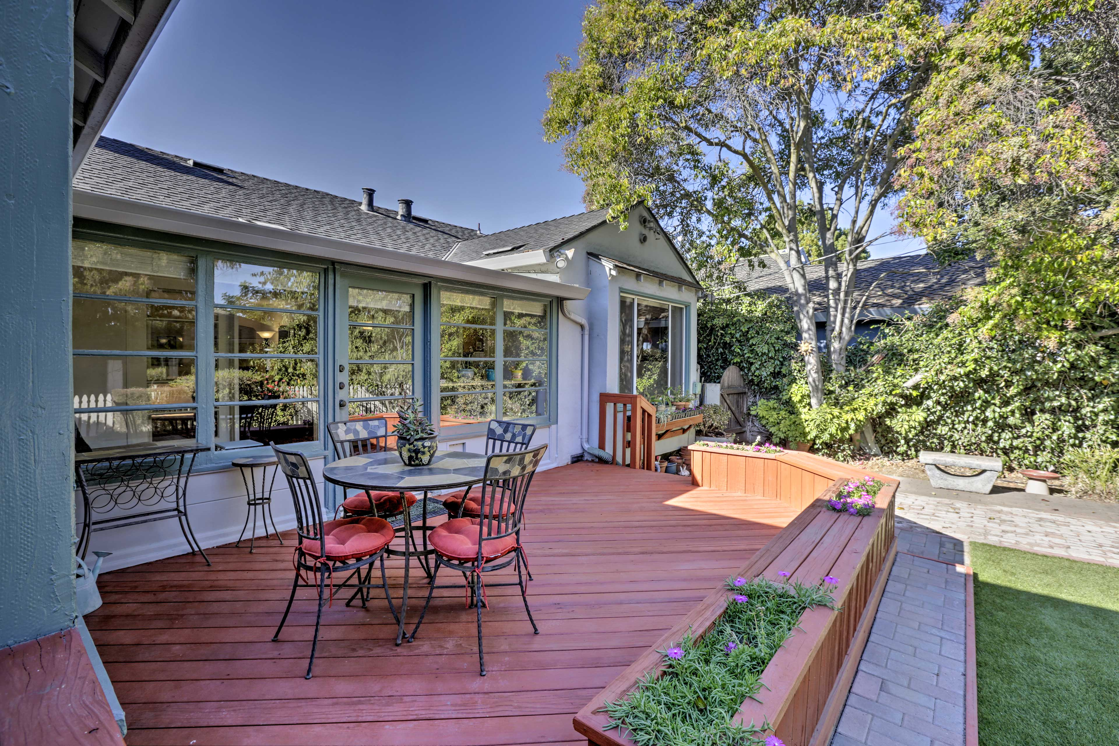 This Sunnyvale home offers ample comforts in a convenient location!