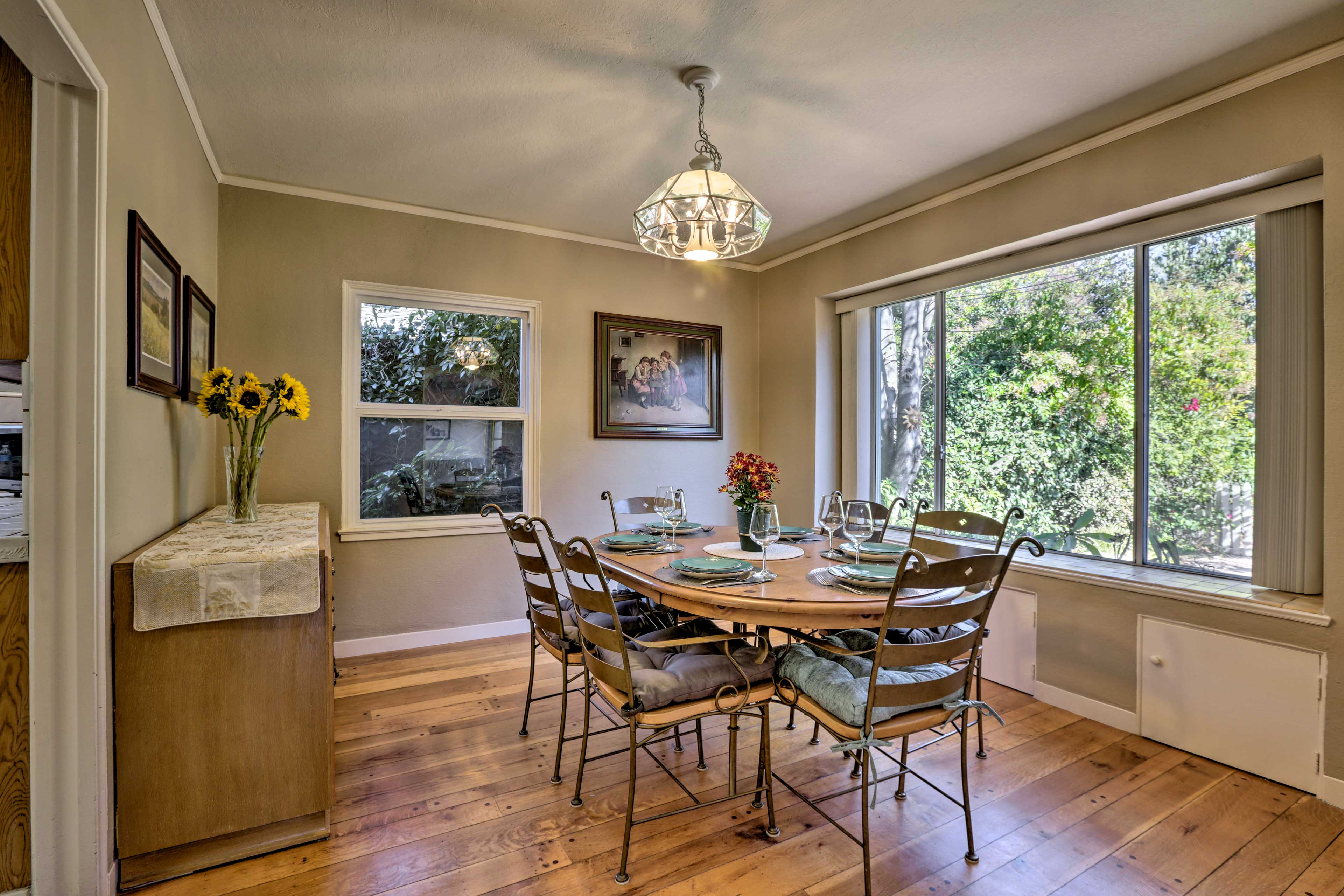This comfortable home is just a quick 40-mile trip from the heart of San Fran!