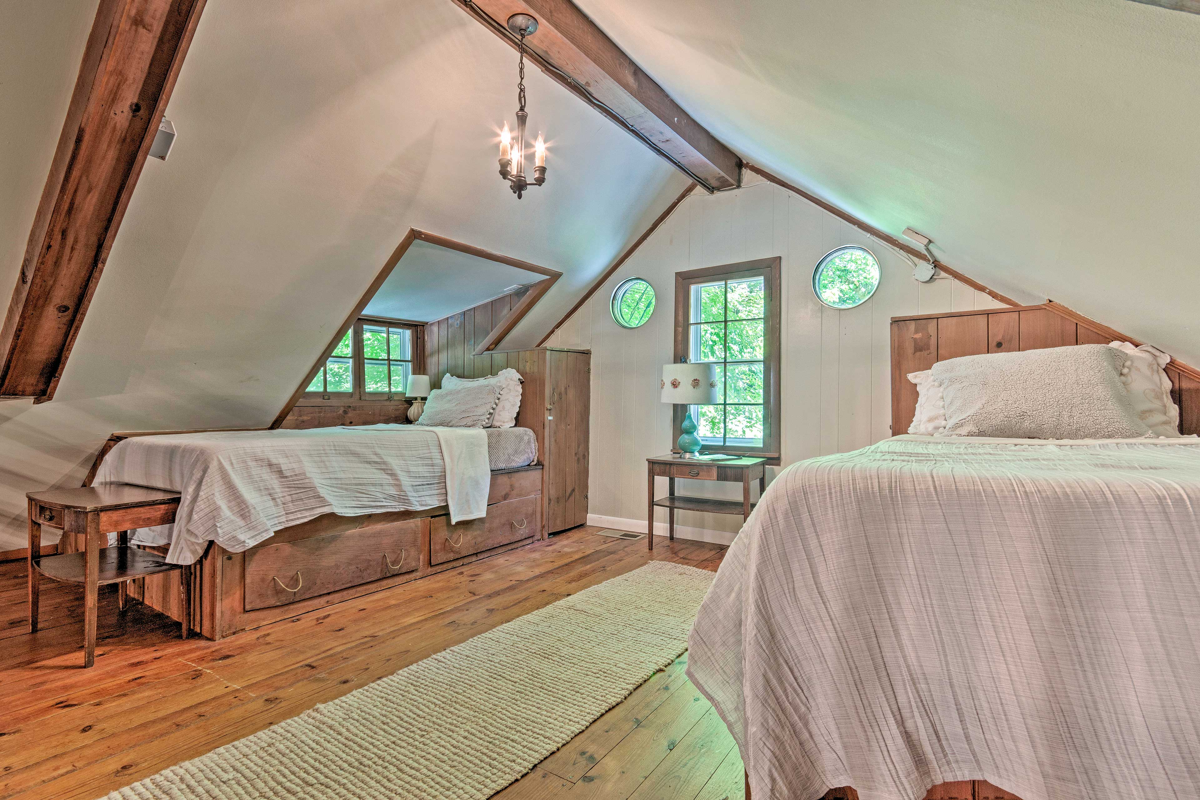 Head up to the loft to find 2 more twin beds.