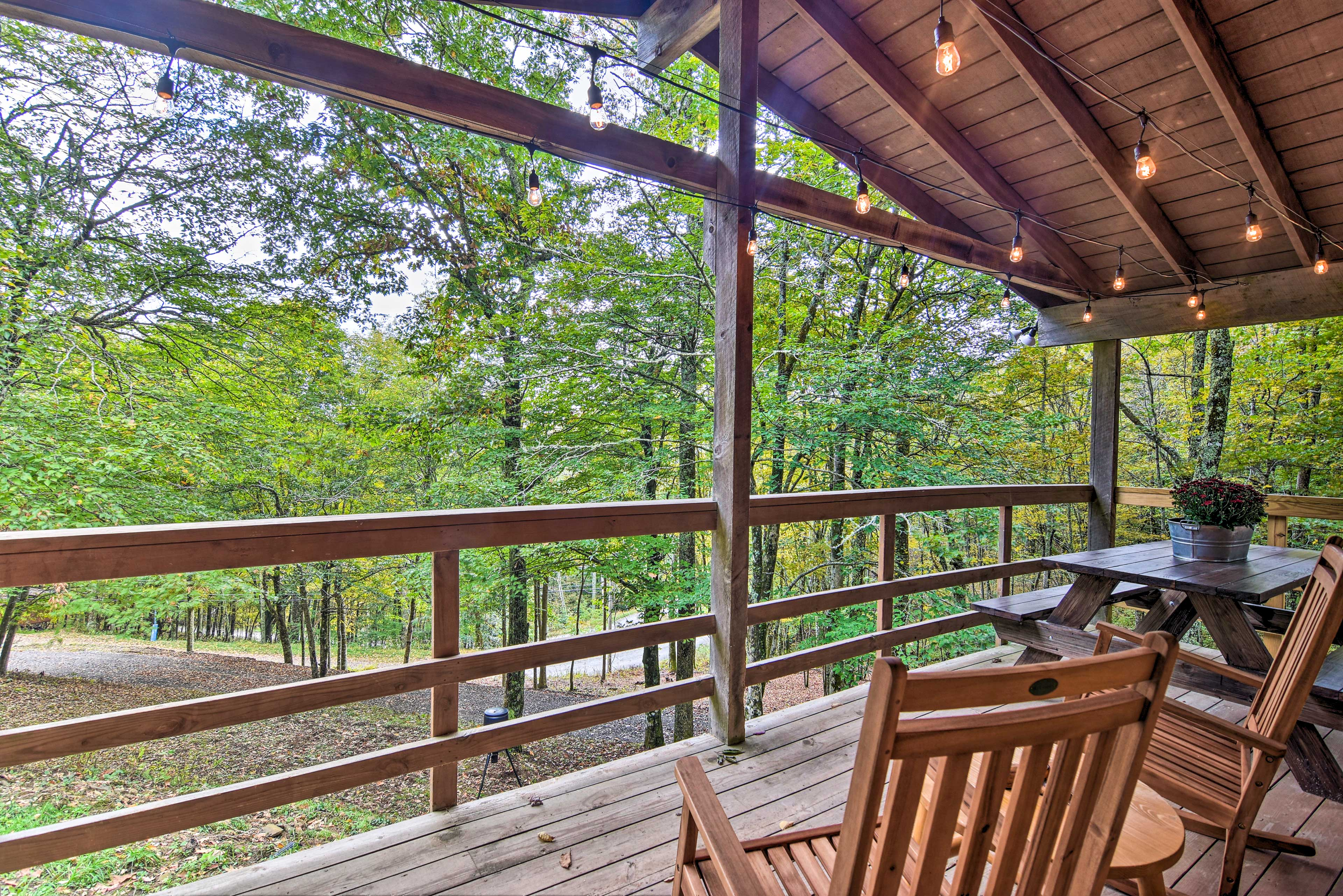 The vacation rental offers ample space for up to 6 guests.
