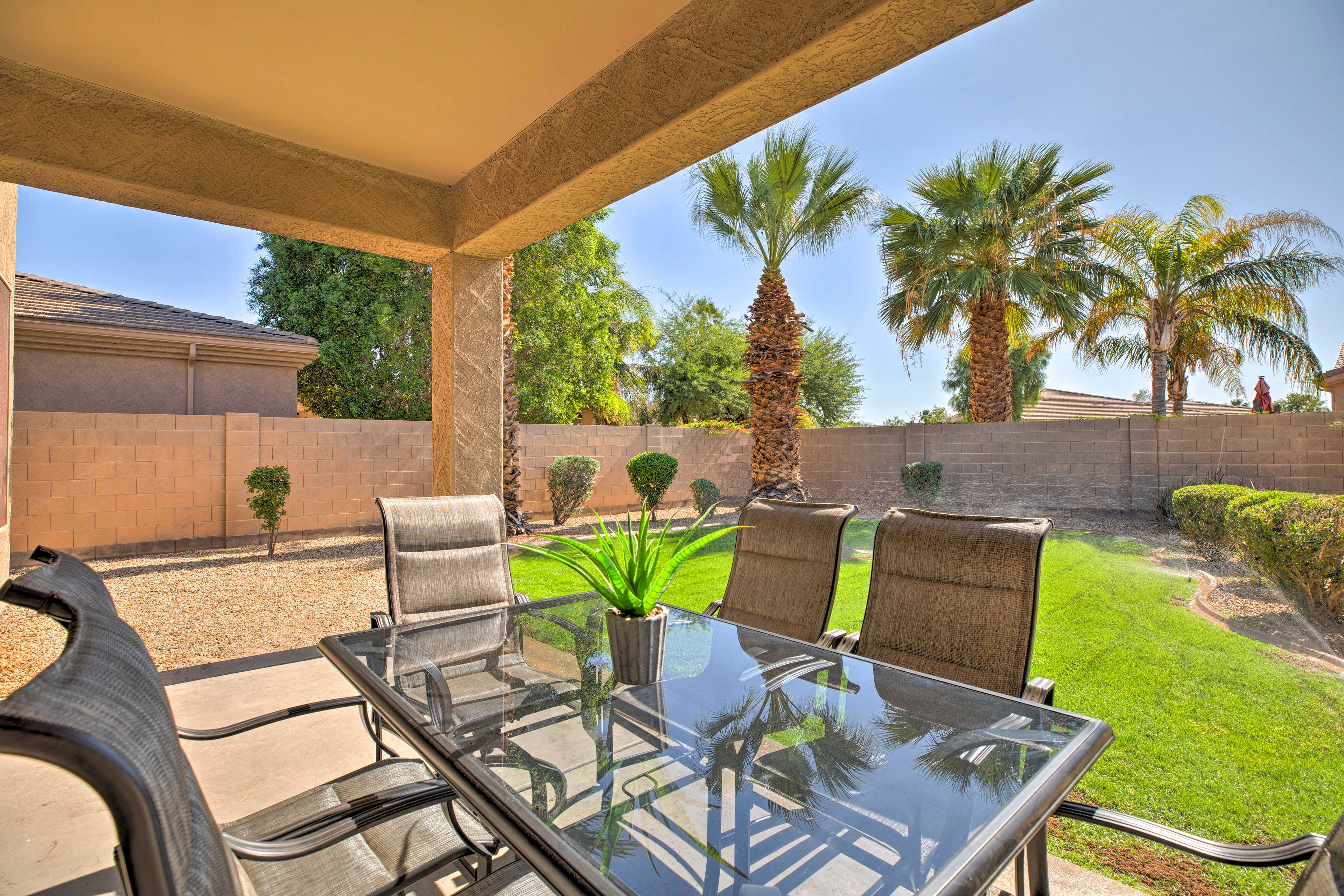 Trade the snow for year-round sunshine, golf, and relaxation in Arizona!