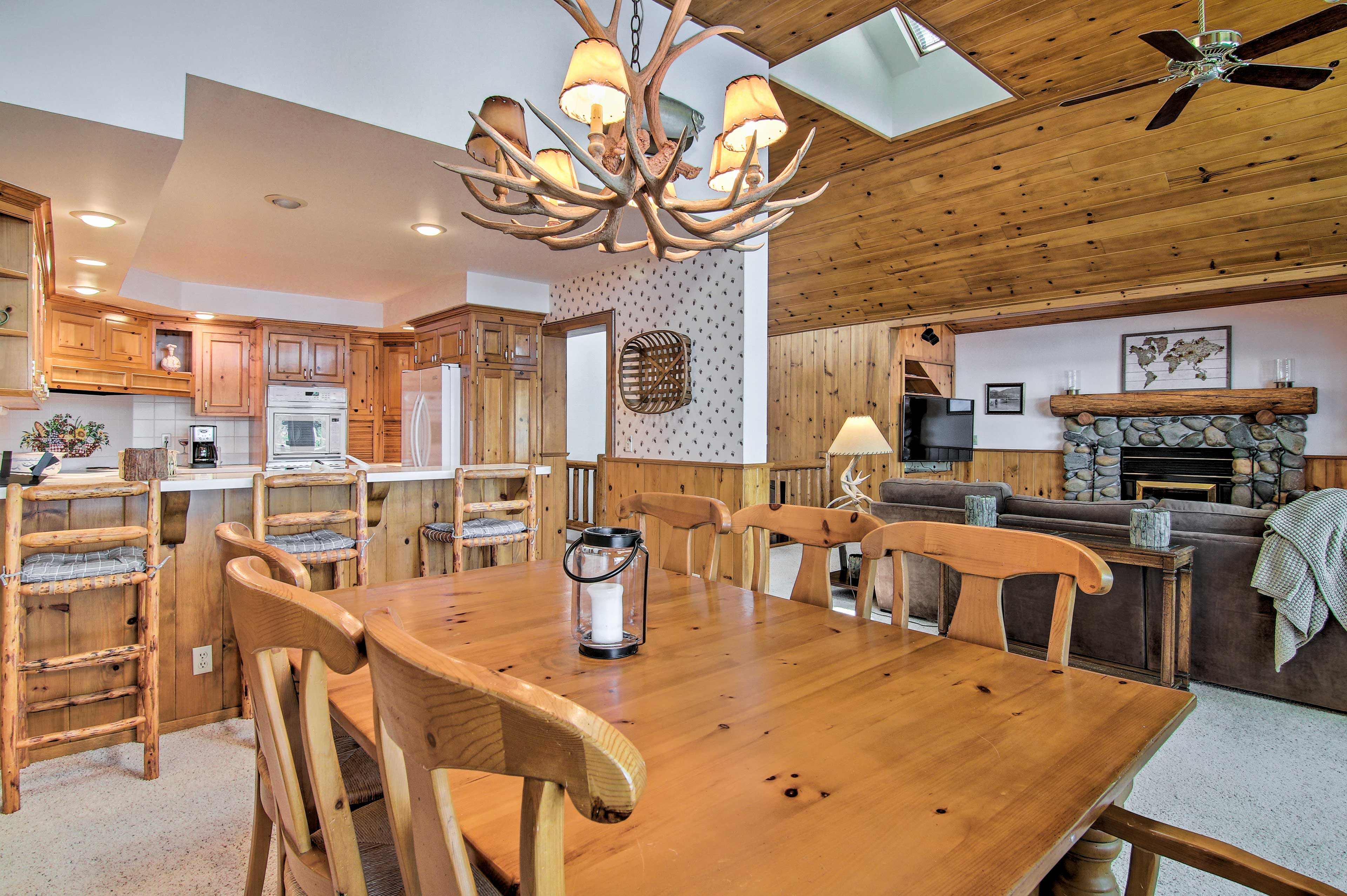 The home can easily accommodate your group of 10.