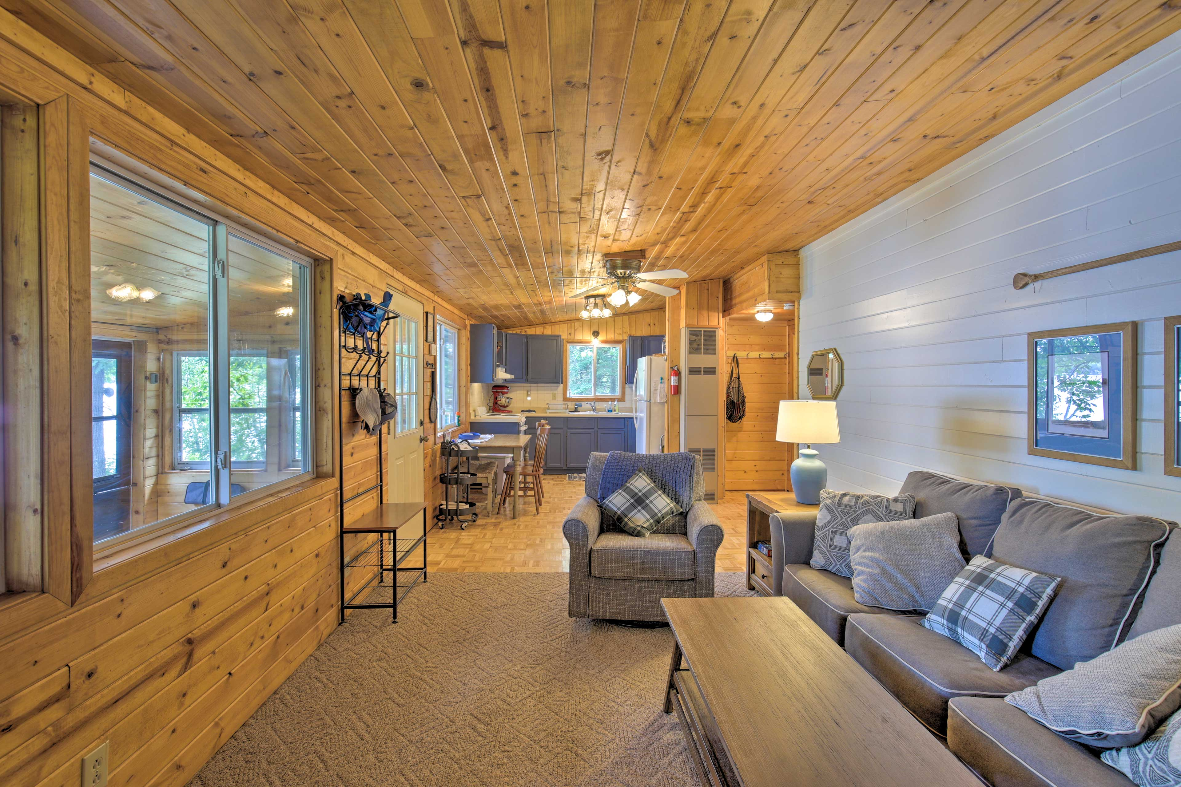 This property exudes a lake-cabin vibe.