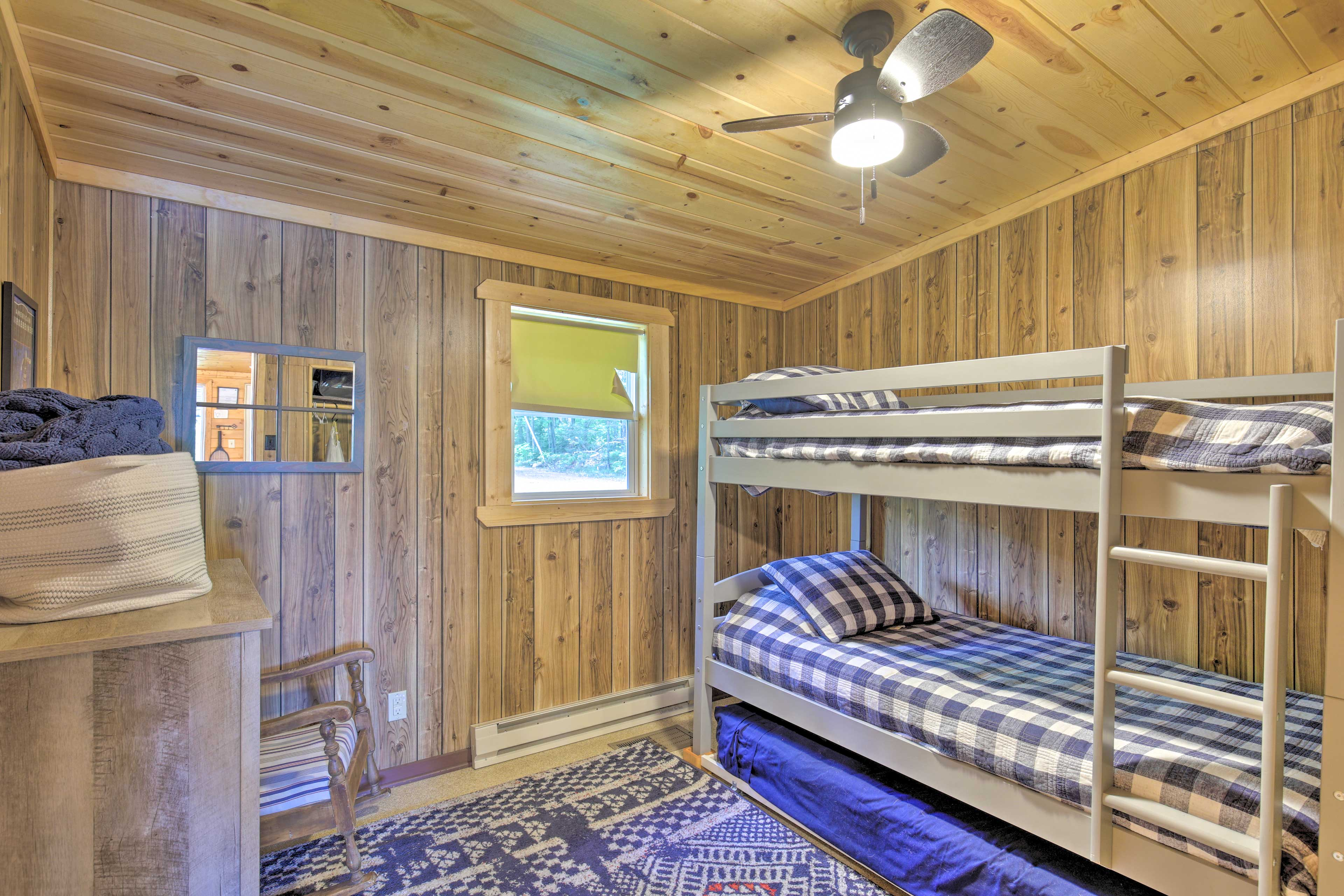 The kids will love bunking together in this room.