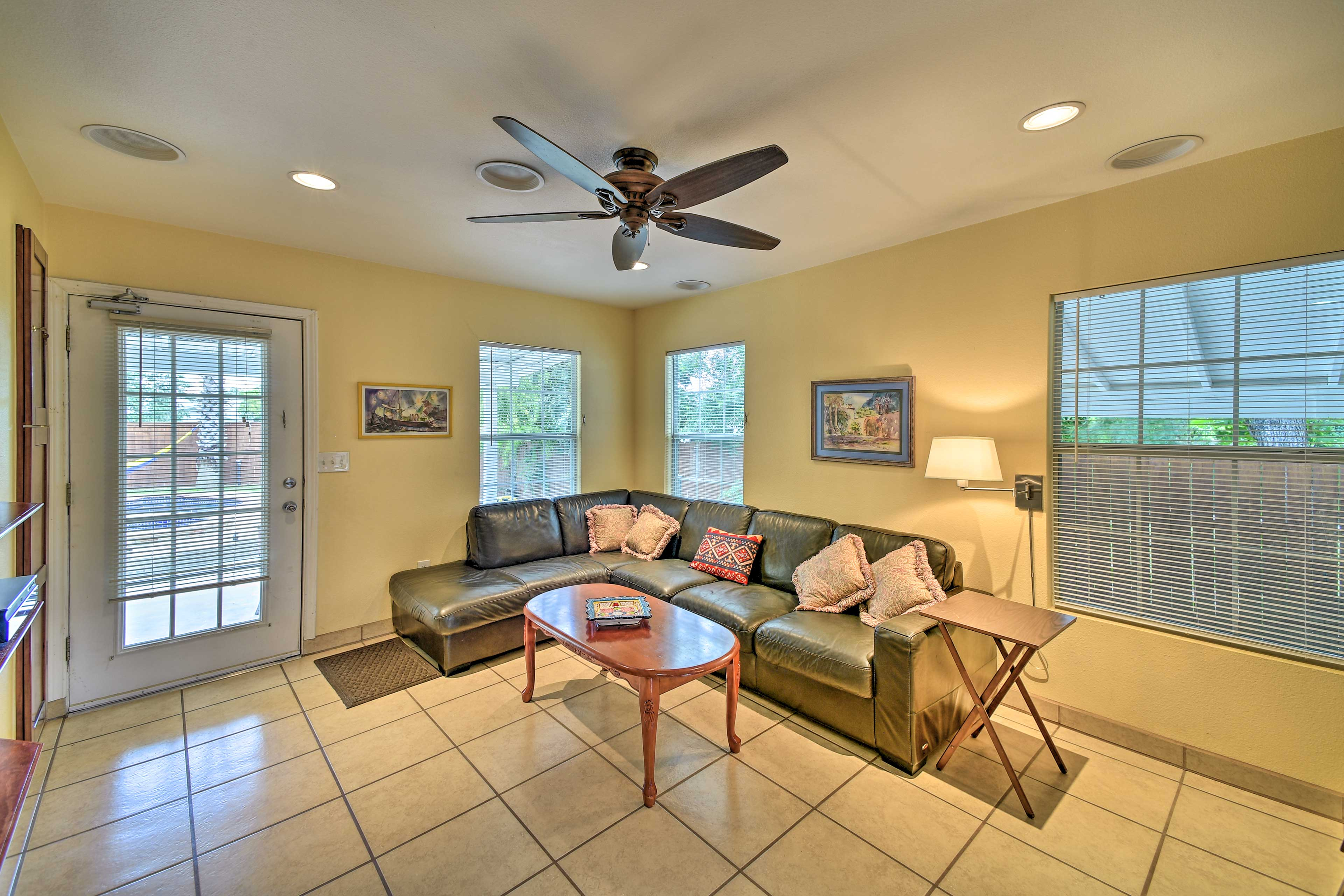 Lounge in the living space in between trips to the main attractions!