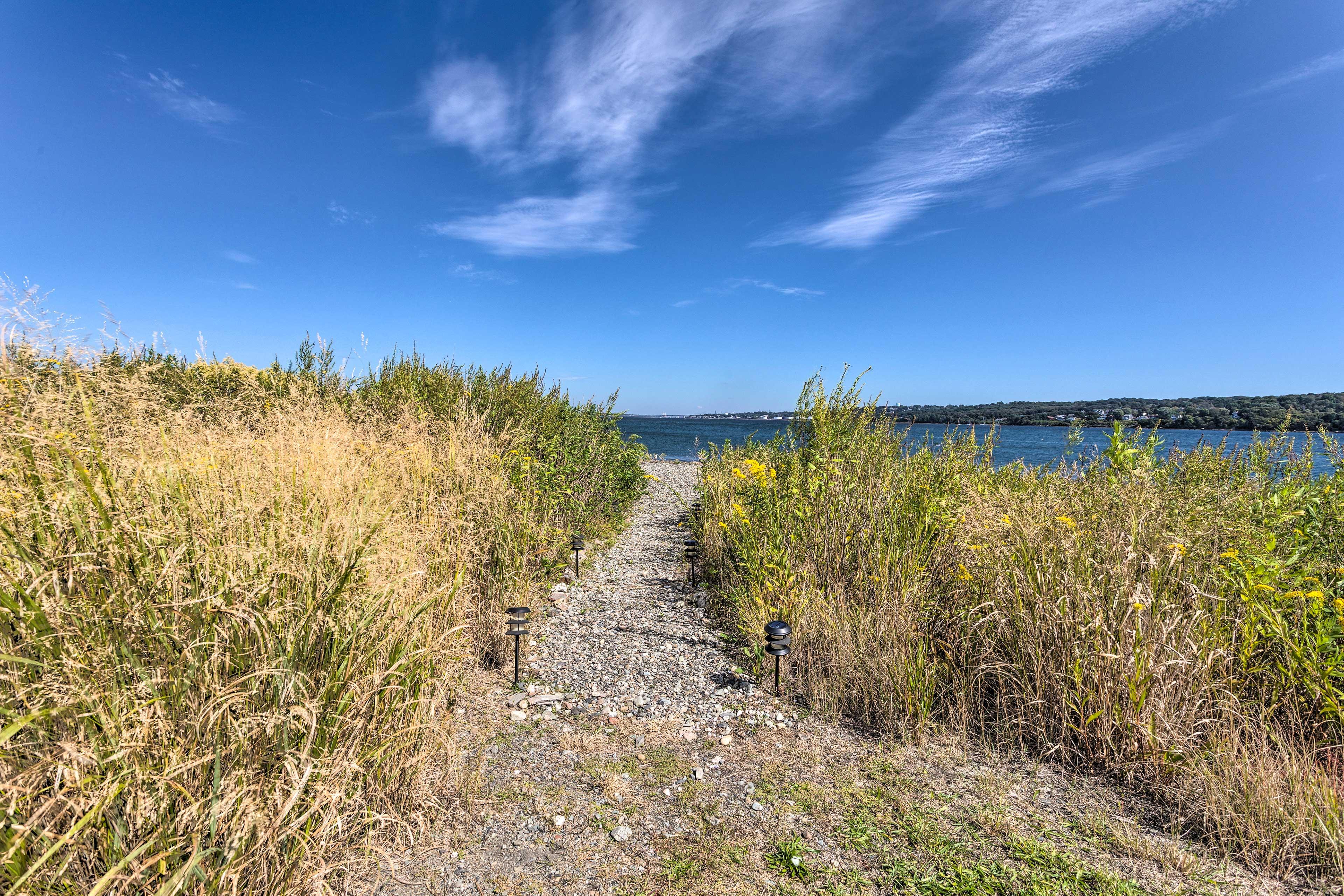 Backyard   Bay Access