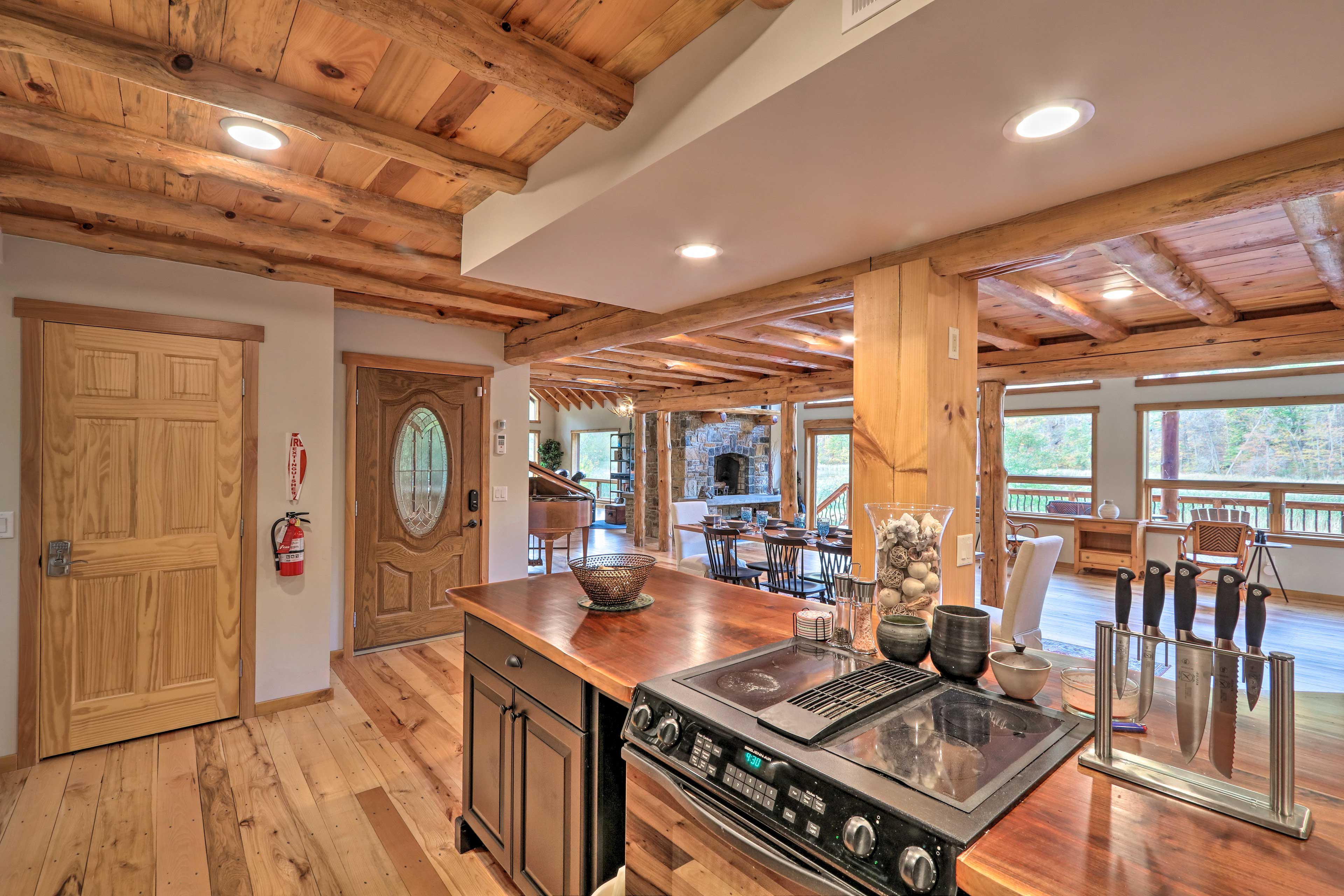 Easily prepare a hearty feast in this truly fully equipped kitchen.