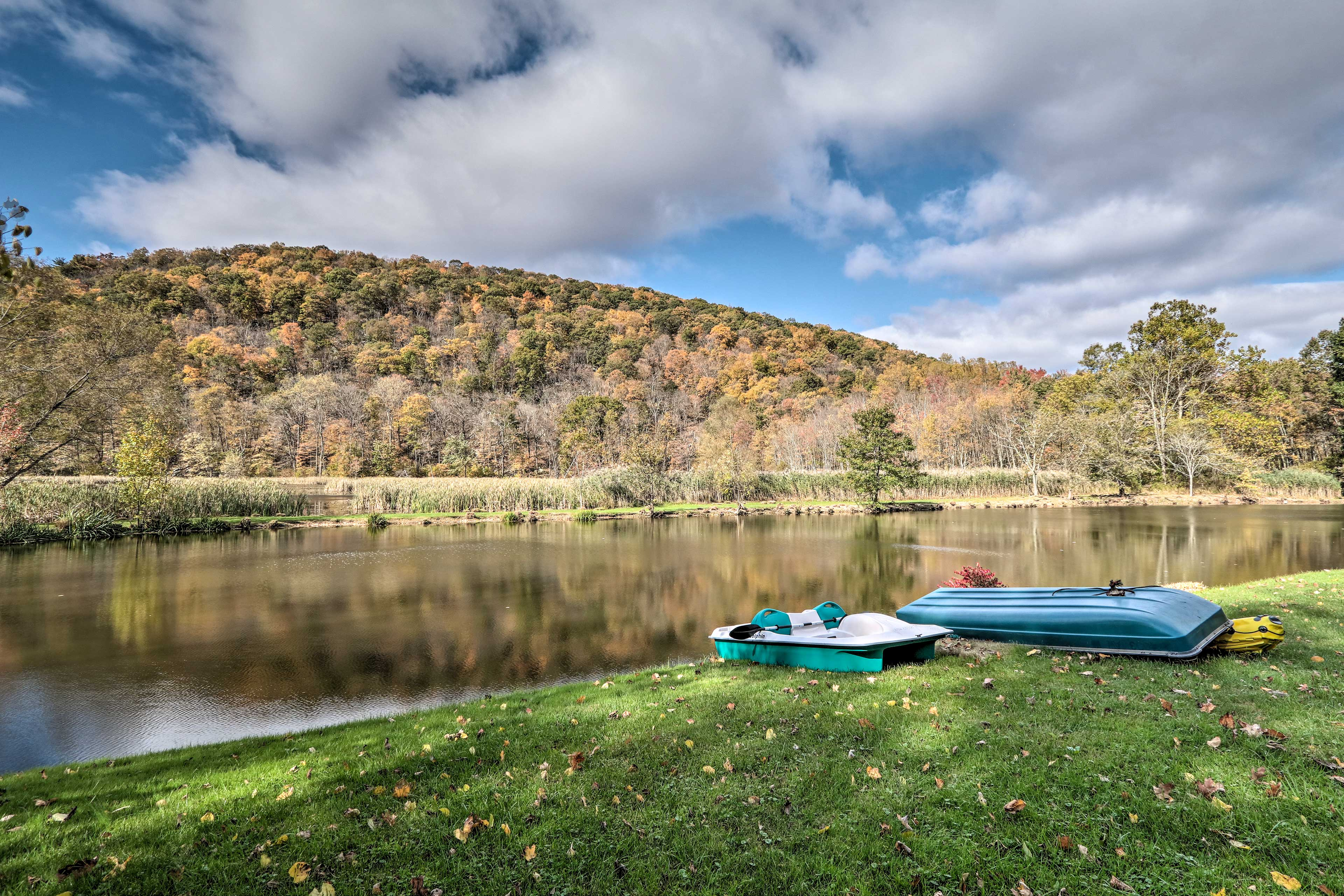 Spend lazy afternoons paddling out on the pond.