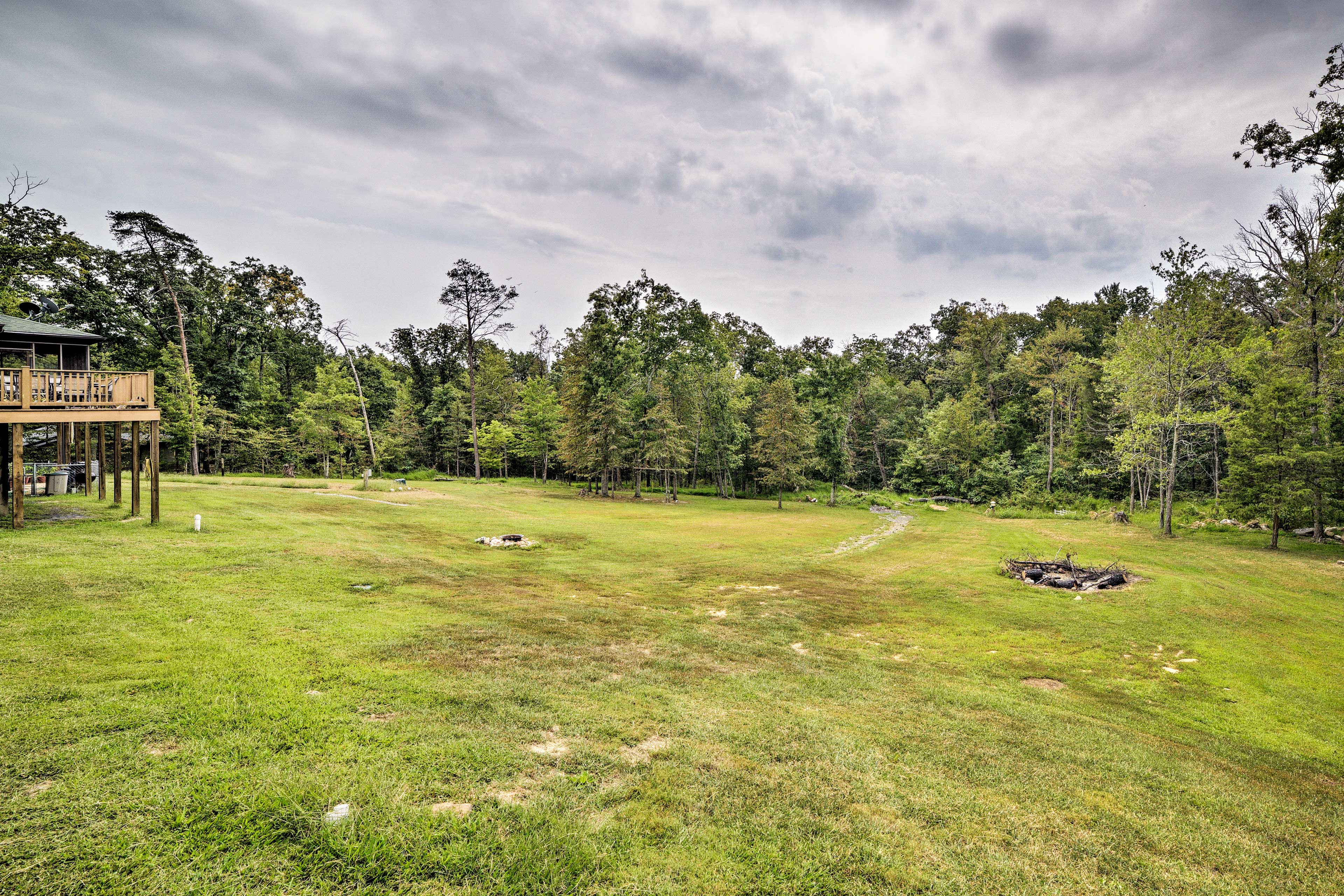 Bring your lawn games for this huge backyard!