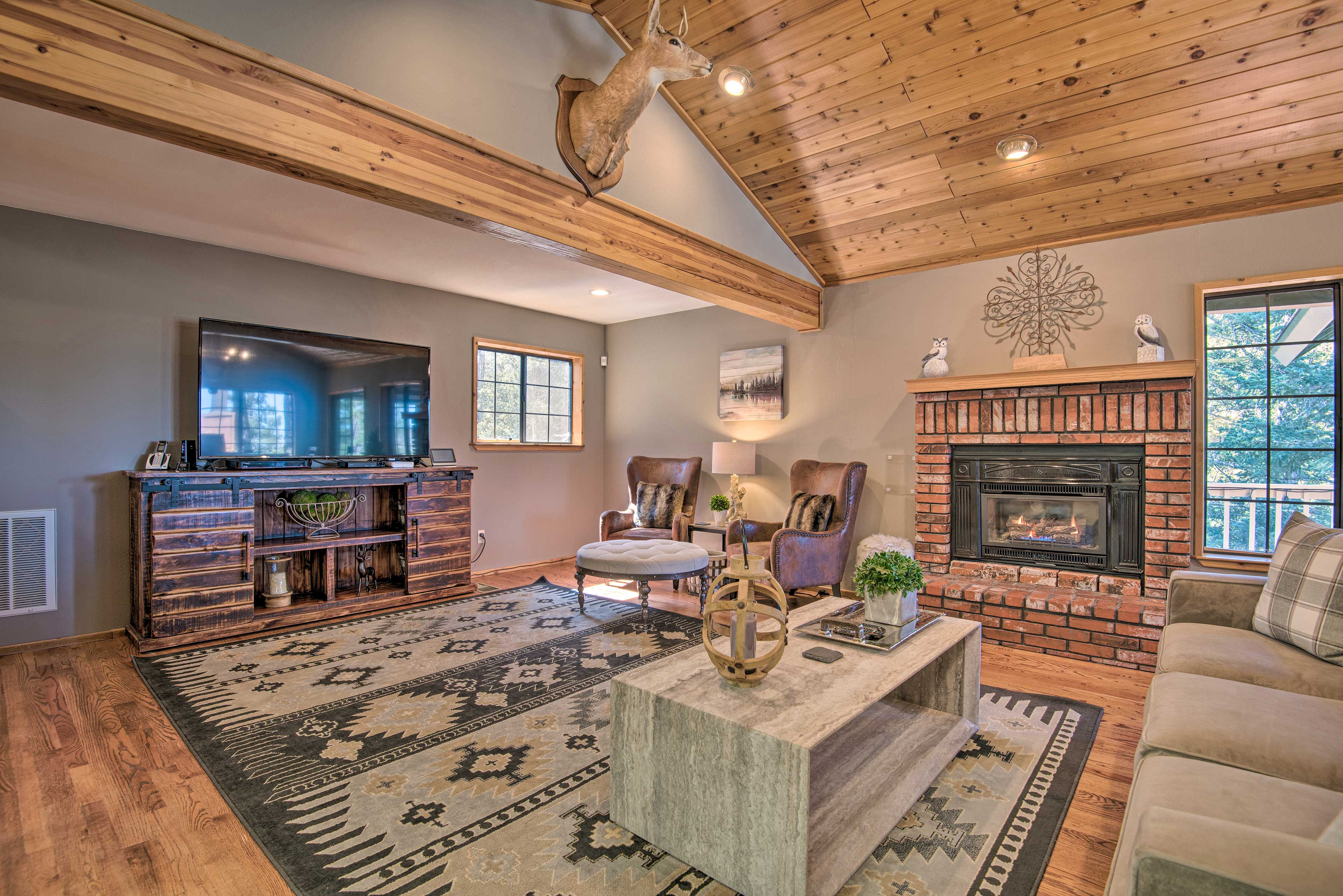 Located in Pine Mountain Club, this unique cabin sits within minutes of hiking!