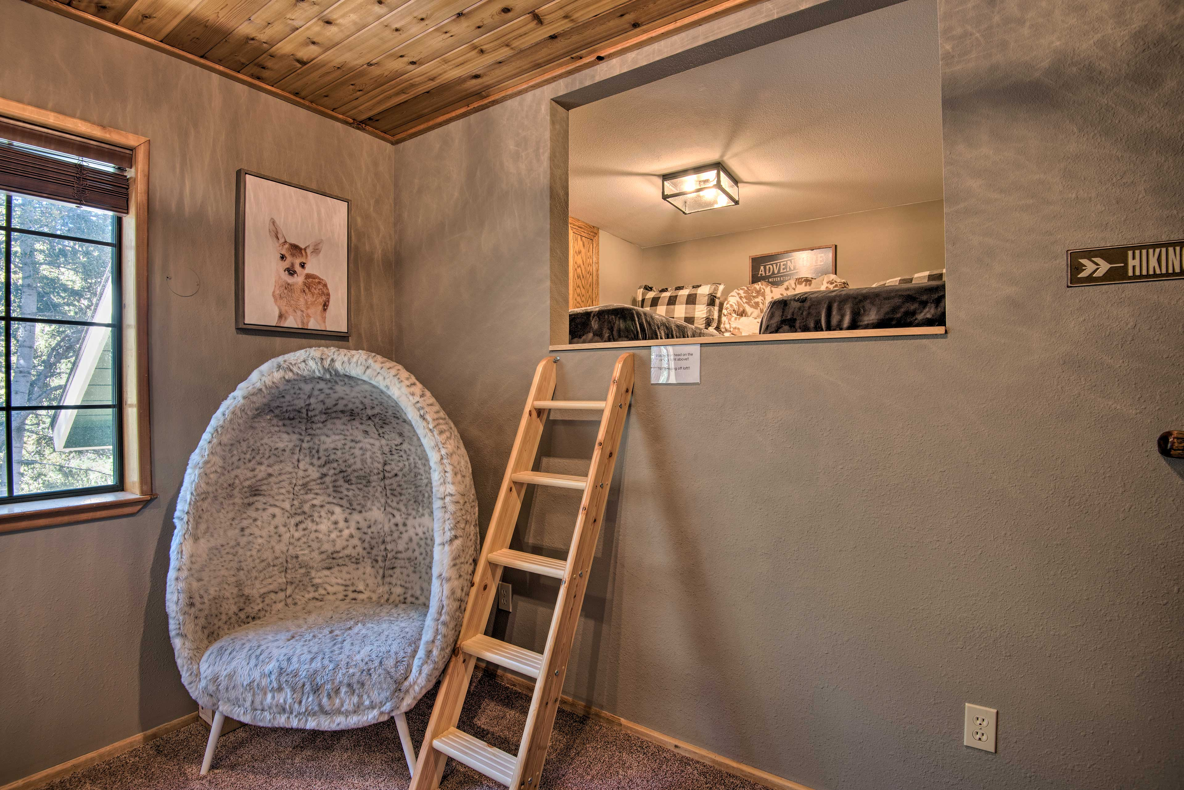 The little ones will love sleeping in the kids loft with 2 twin beds.