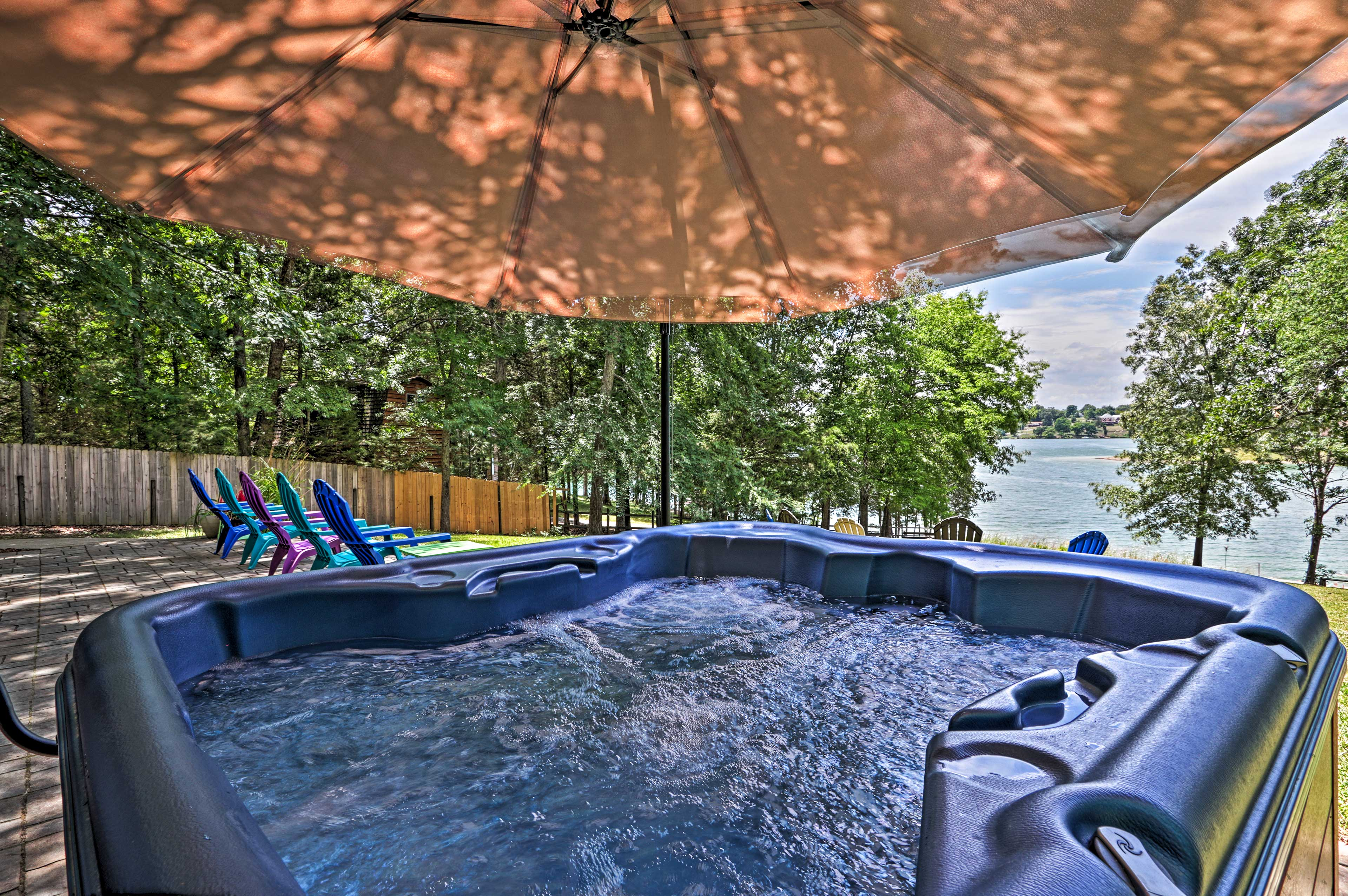 Dandridge Vacation Rental   4BR   3BA   1,950 Sq Ft   Stairs Required