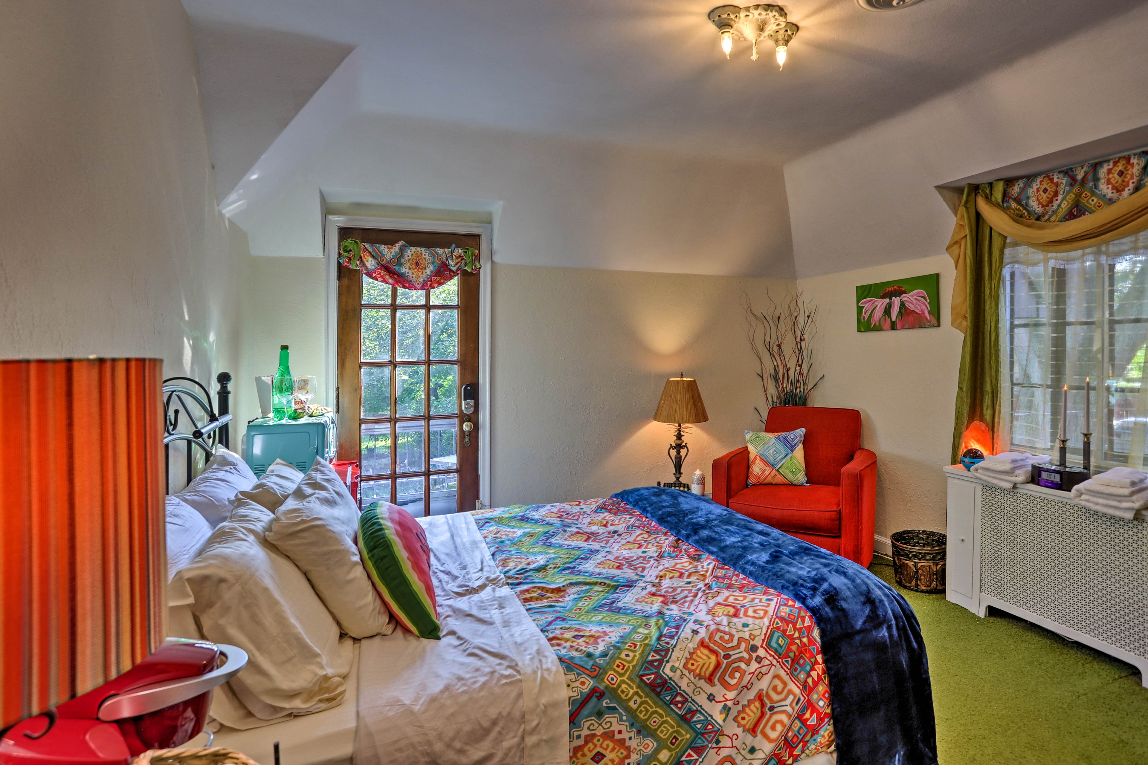 Two travelers can snooze in the second bedroom's queen bed.