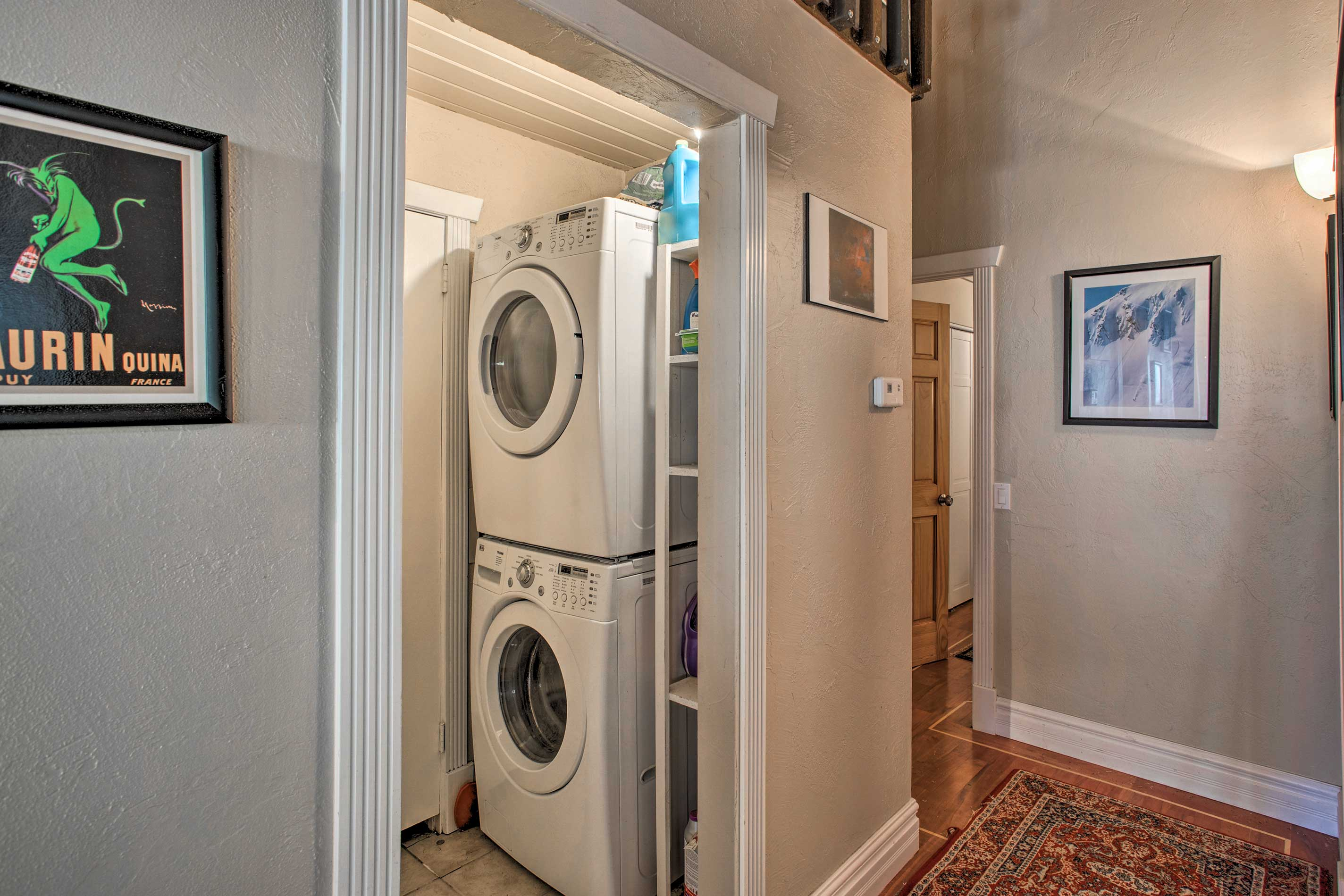 Freshen up your wardrobe with in-unit laundry machines!