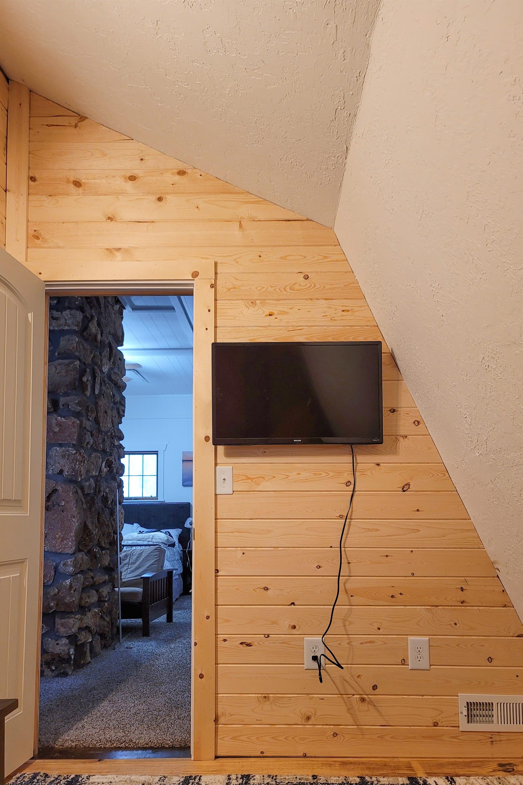 Bedroom 2 | Smart TV